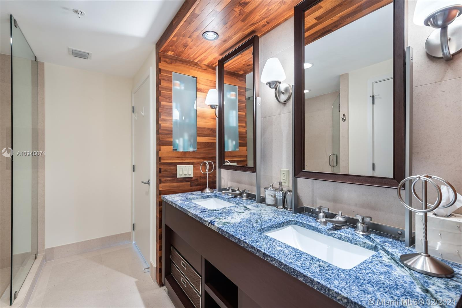 6899 Collins Ave #1109 photo018