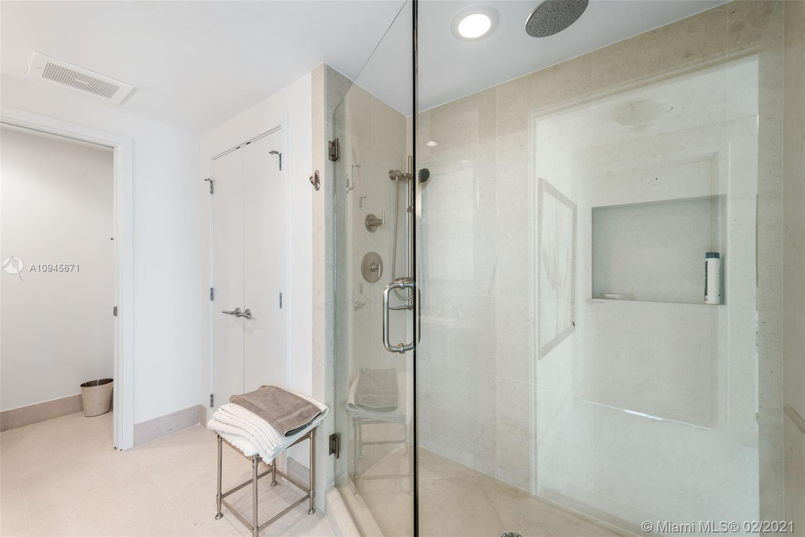 6899 Collins Ave #1109 photo019