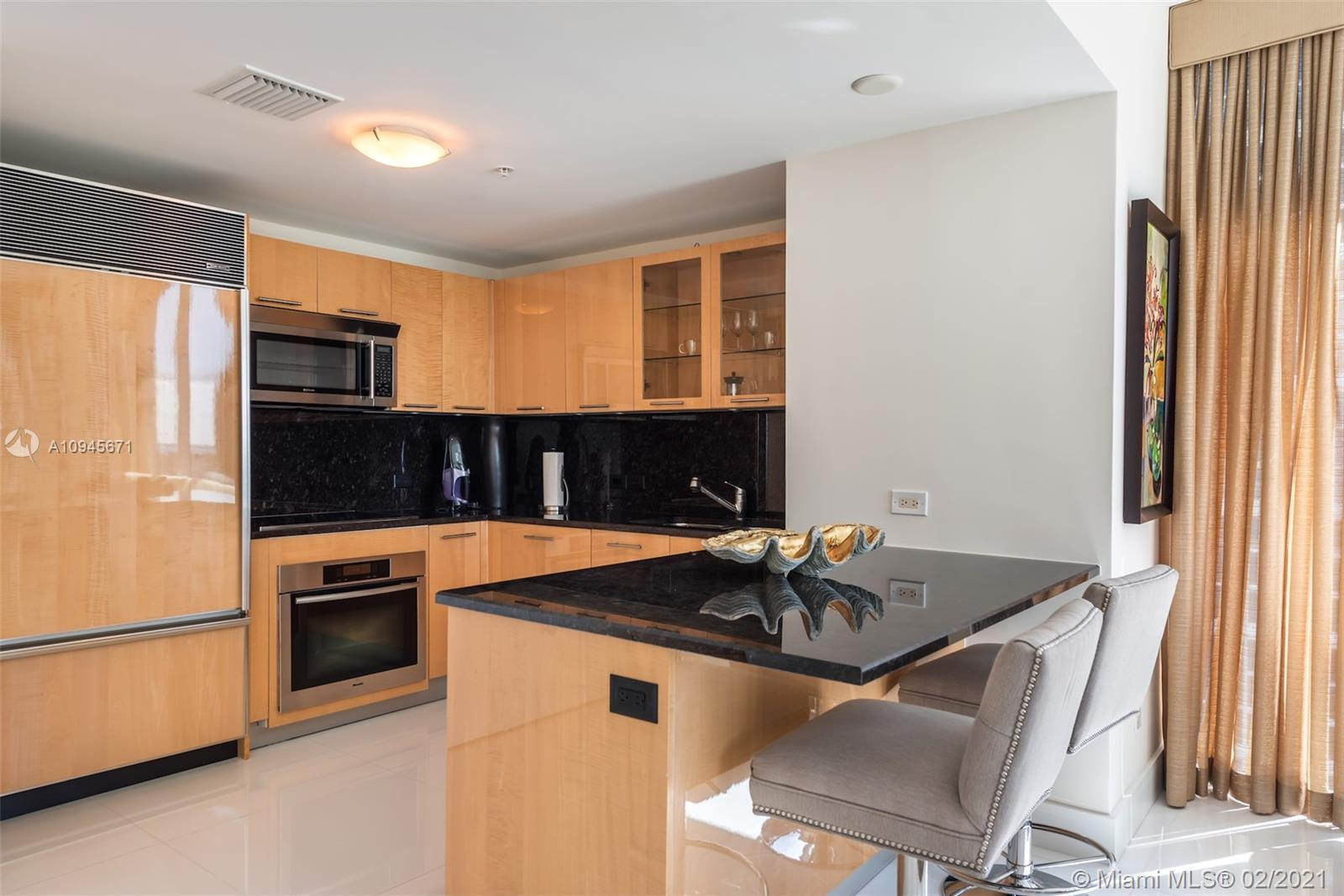 6899 Collins Ave #1109 photo08