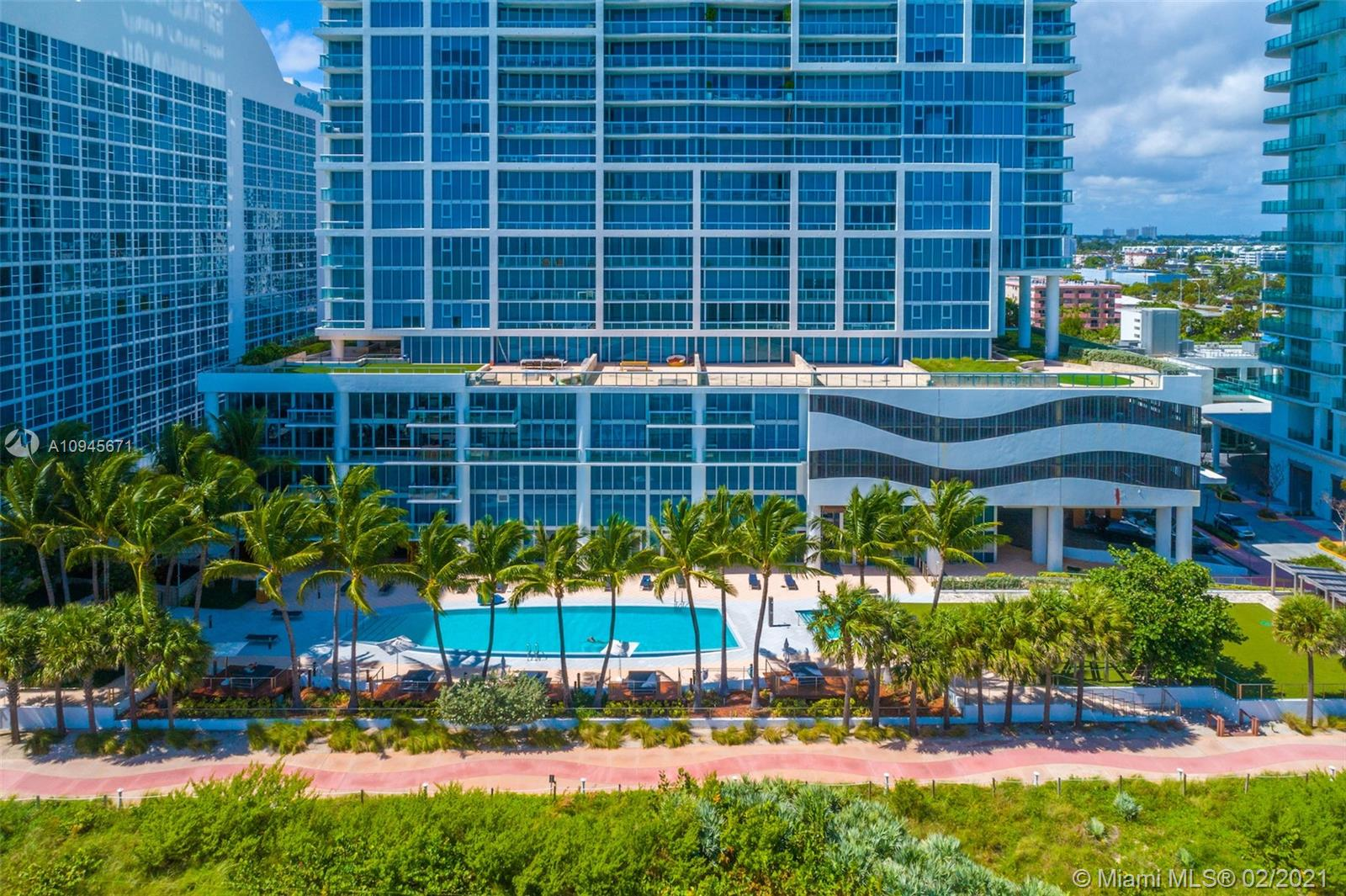 6899 Collins Ave #1109 photo025