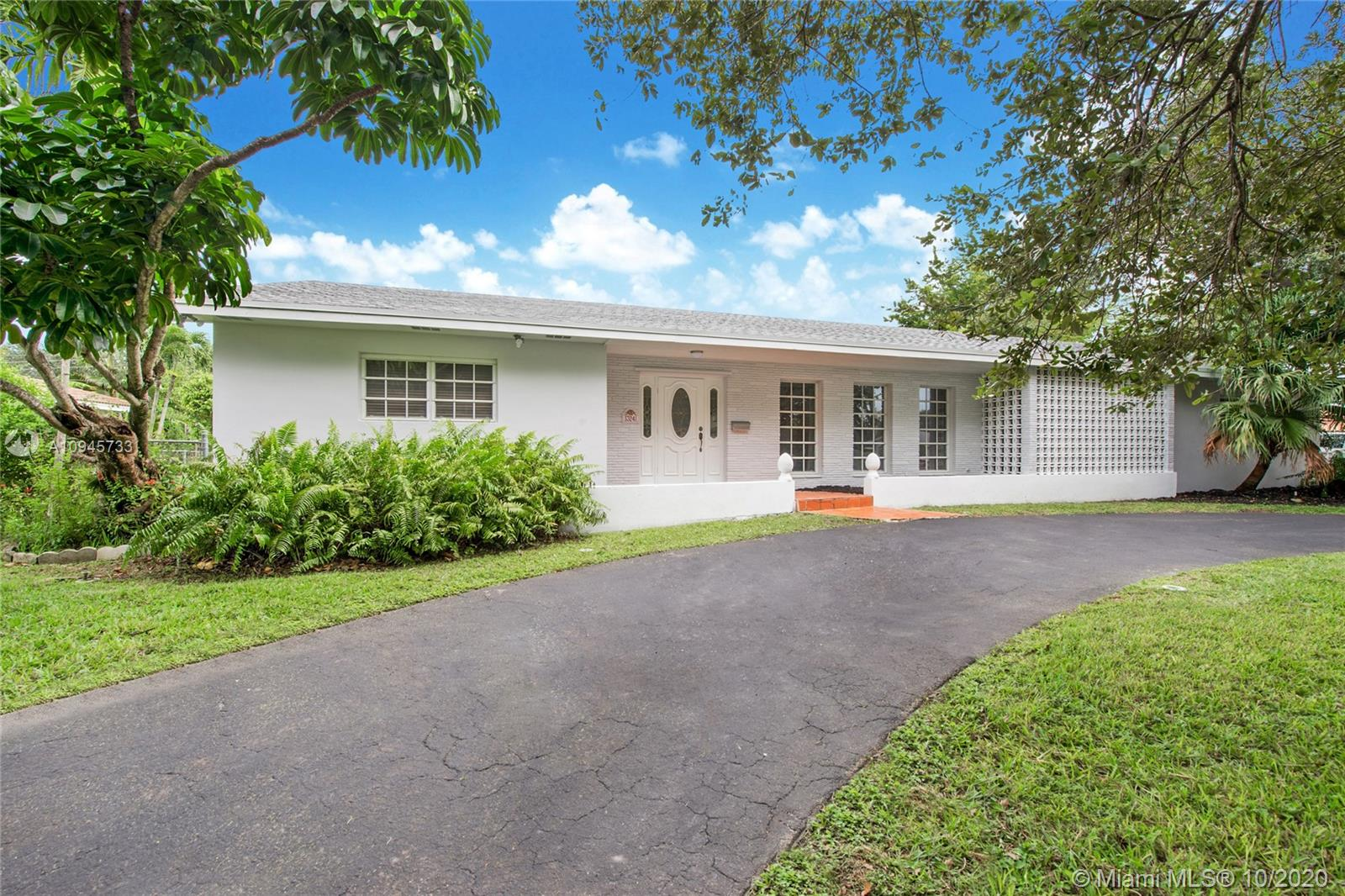 13241 SW 72nd Ave, Pinecrest, Florida 33156, 4 Bedrooms Bedrooms, ,3 BathroomsBathrooms,Residential,For Sale,13241 SW 72nd Ave,A10945733