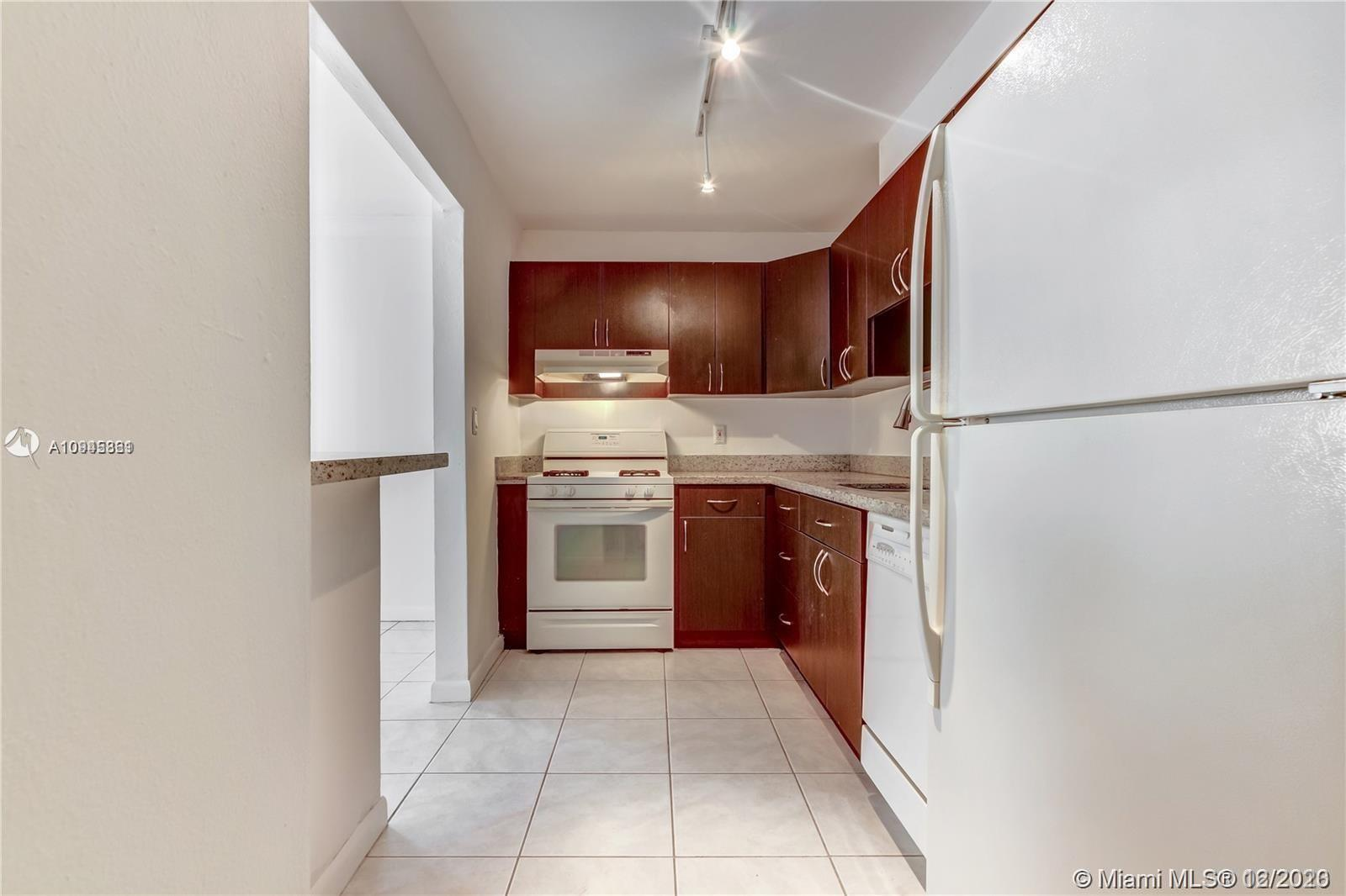 6900 N Kendall Dr # A109, Pinecrest, Florida 33156, 1 Bedroom Bedrooms, ,2 BathroomsBathrooms,Residential,For Sale,6900 N Kendall Dr # A109,A10945861