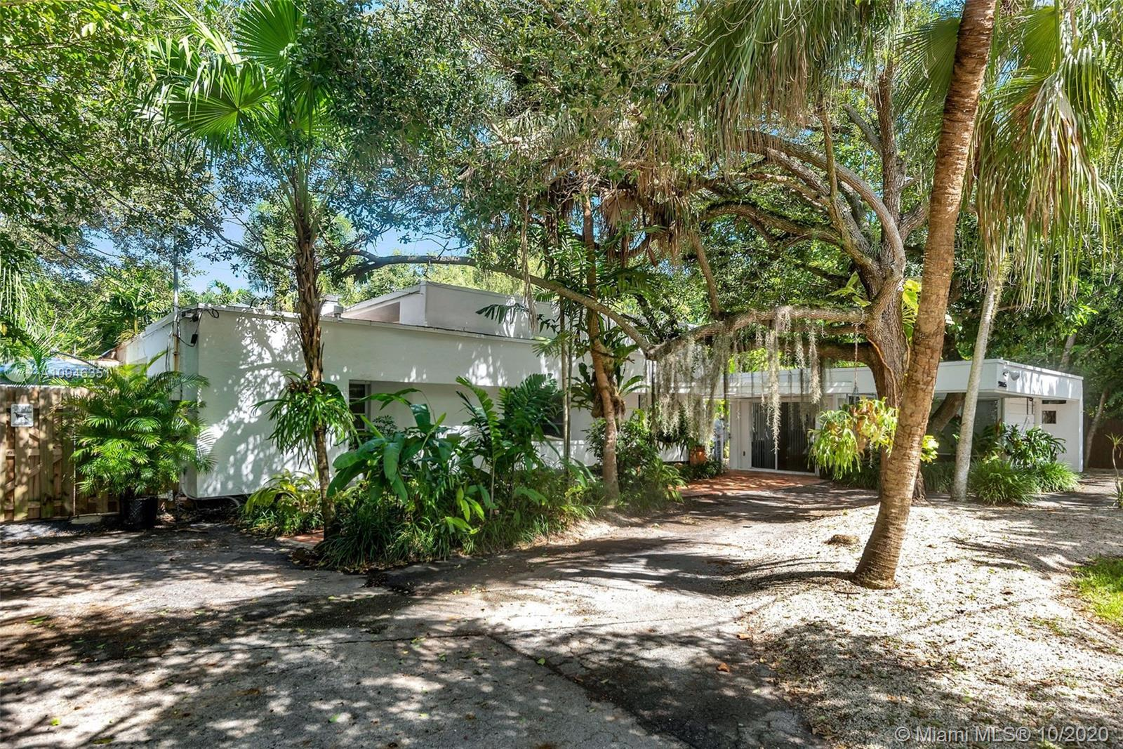 South Miami - 5845 SW 88th St, South Miami, FL 33156