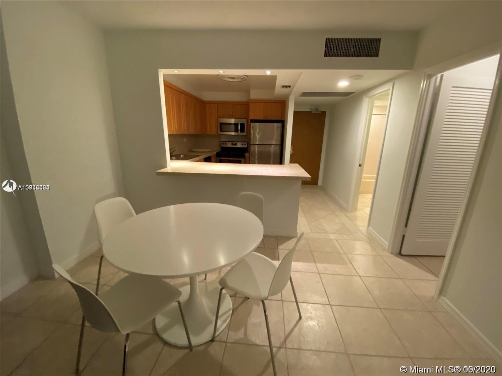 2301 Collins Ave #431 photo07
