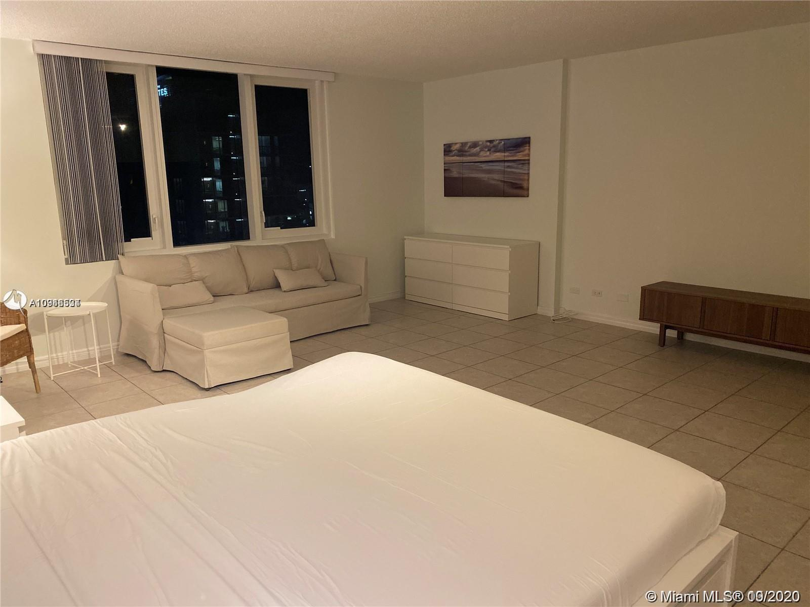 2301 Collins Ave #431 photo04
