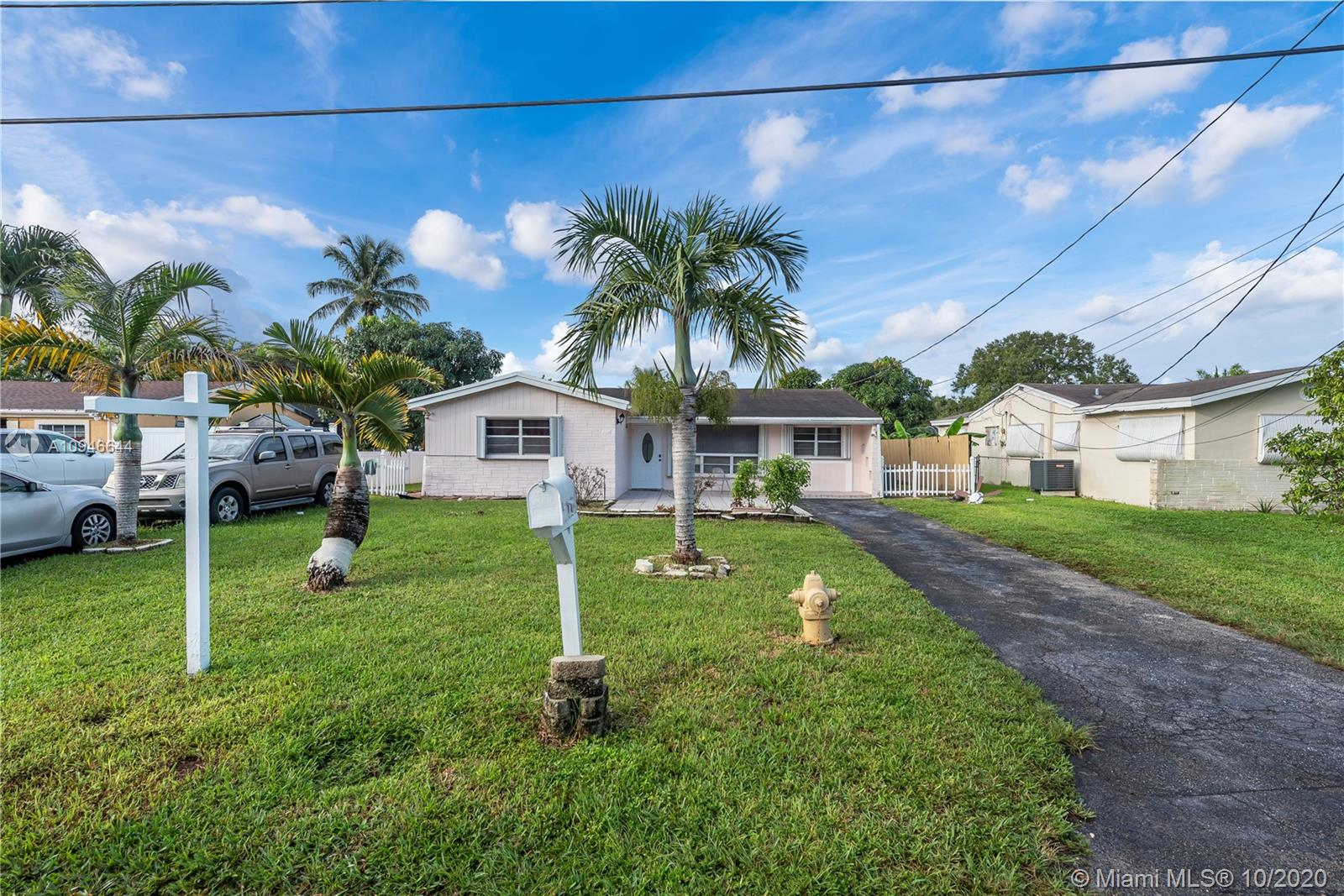 2718 SW 66th te, Miramar, Florida 33023, 3 Bedrooms Bedrooms, ,2 BathroomsBathrooms,Residential,For Sale,2718 SW 66th te,A10946644