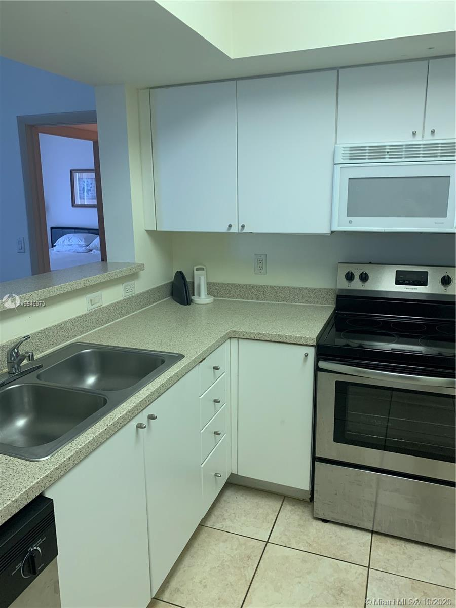 17375 Collins Ave #1507 photo05