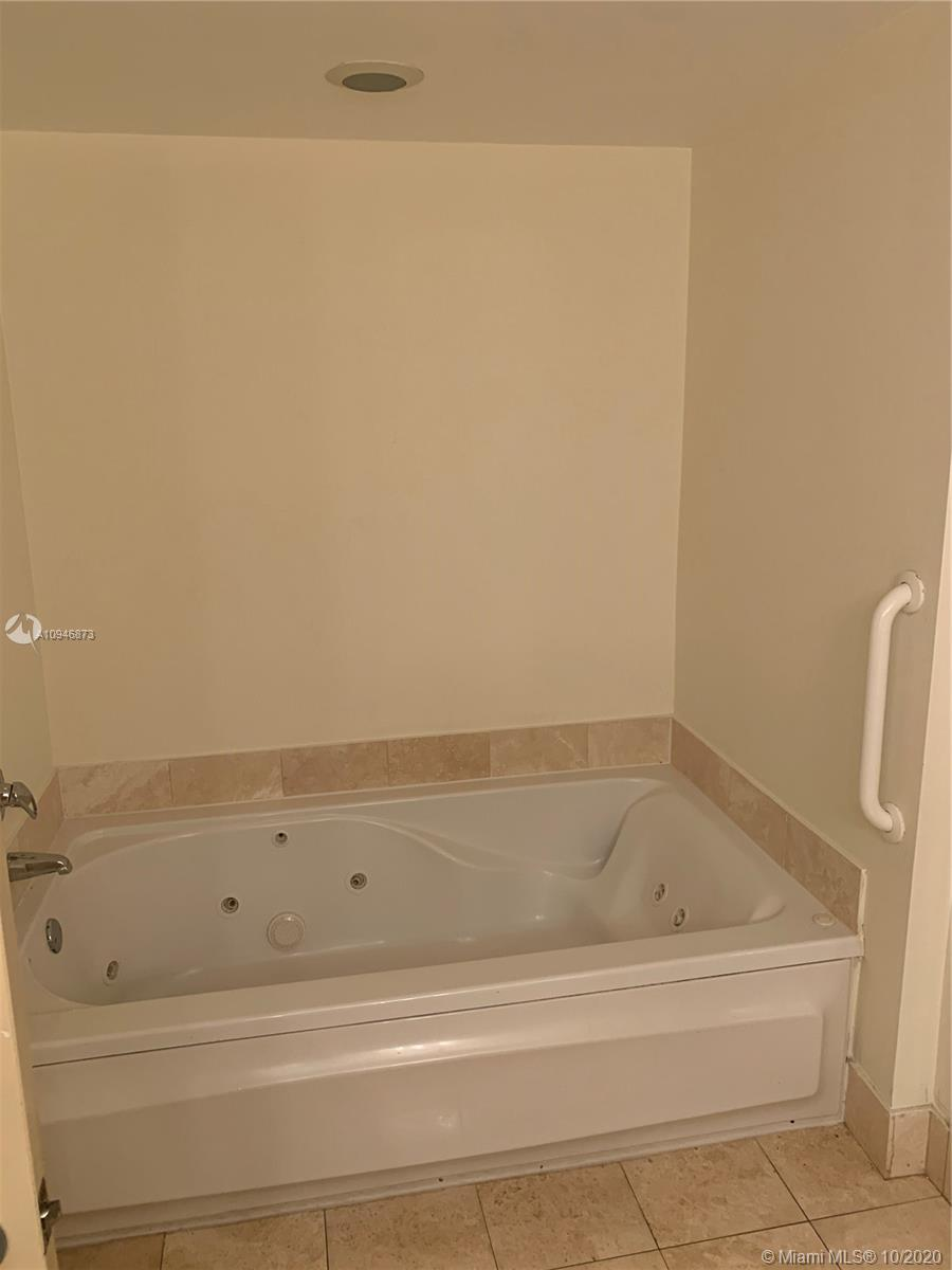 17375 Collins Ave #1507 photo011