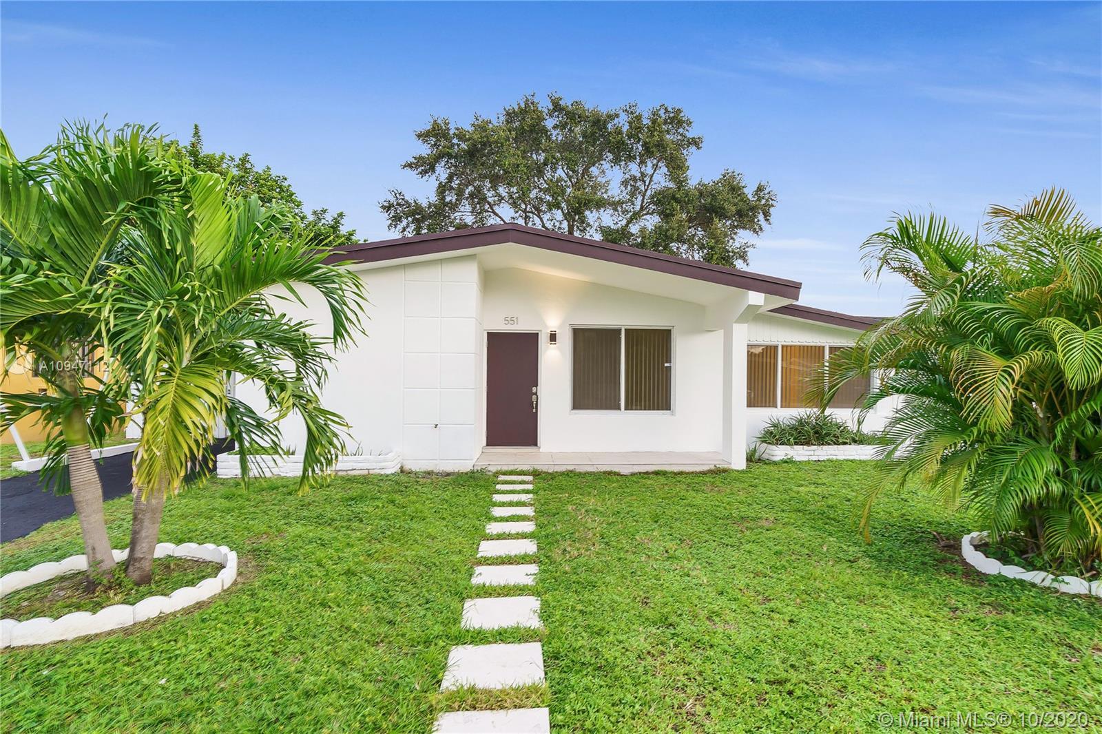 North Miami Beach - 551 NE 175th St, North Miami Beach, FL 33162