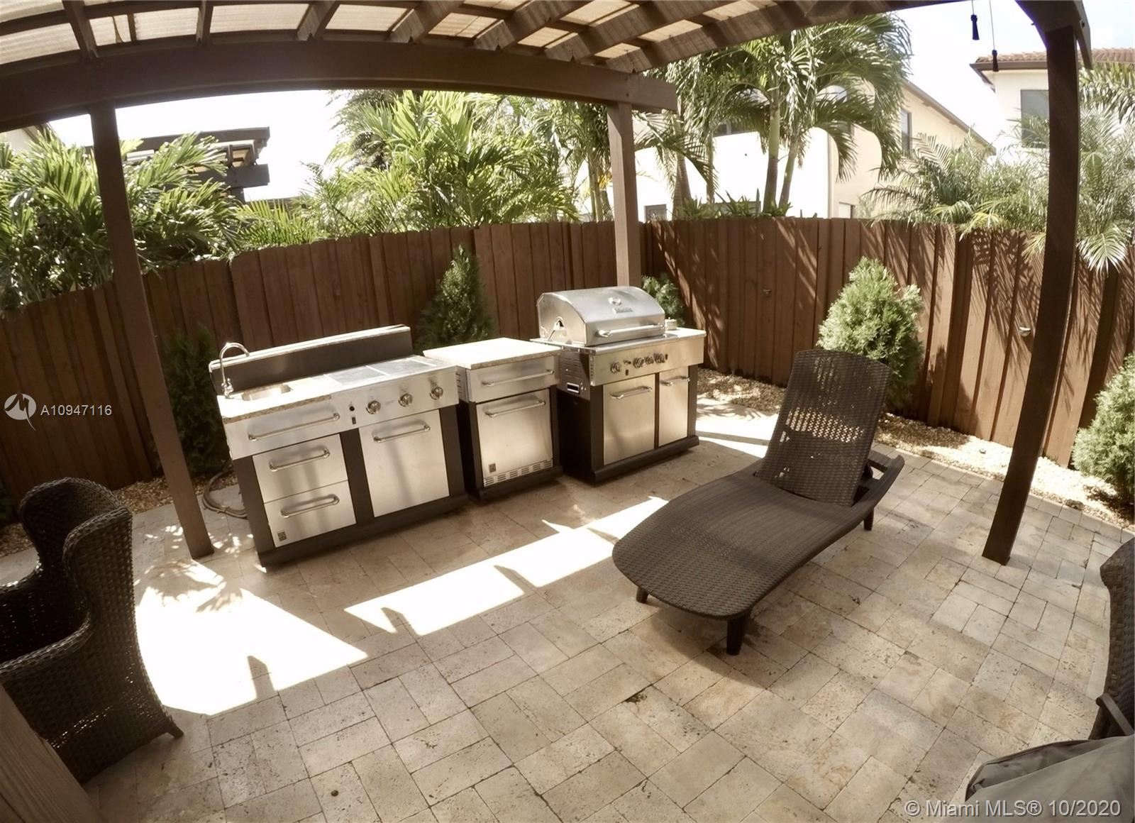 8890 NW 99th Ave photo025