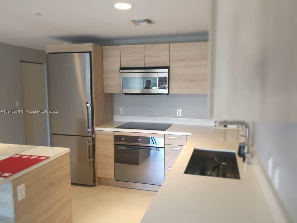 16385 Biscayne Blvd #420 photo042