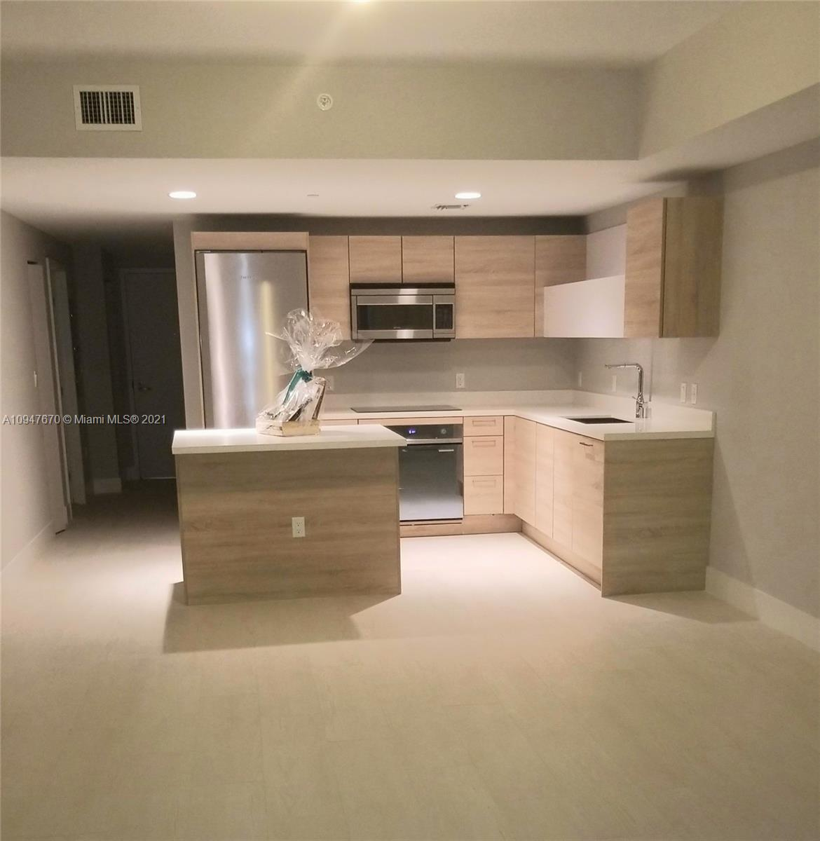 16385 Biscayne Blvd #420 photo044