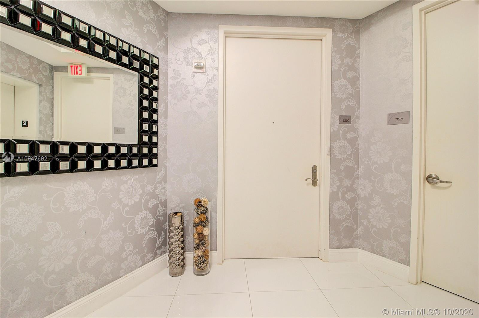 15901 Collins Ave #1207 photo03