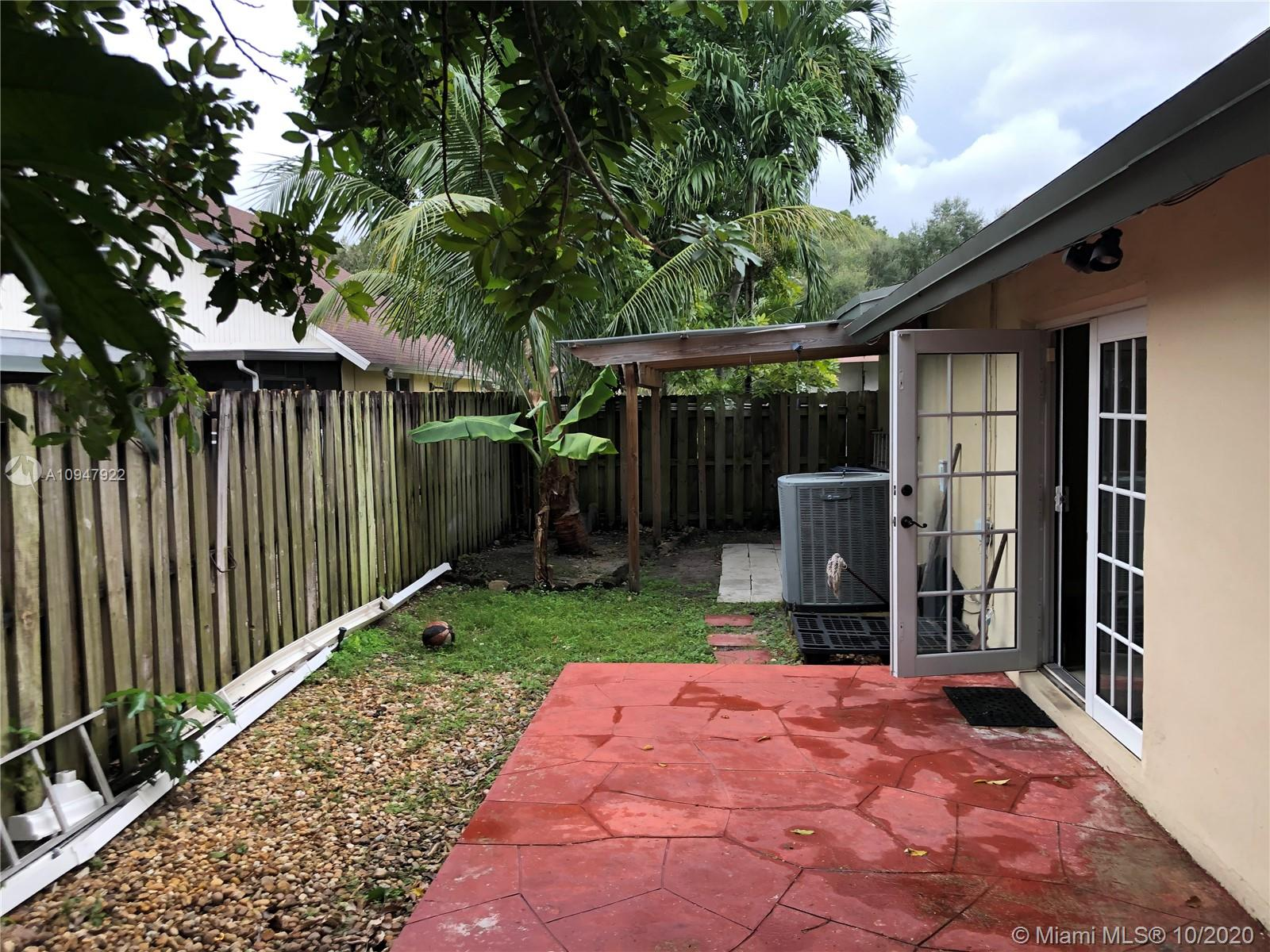 9370 NW 37th Ct photo08