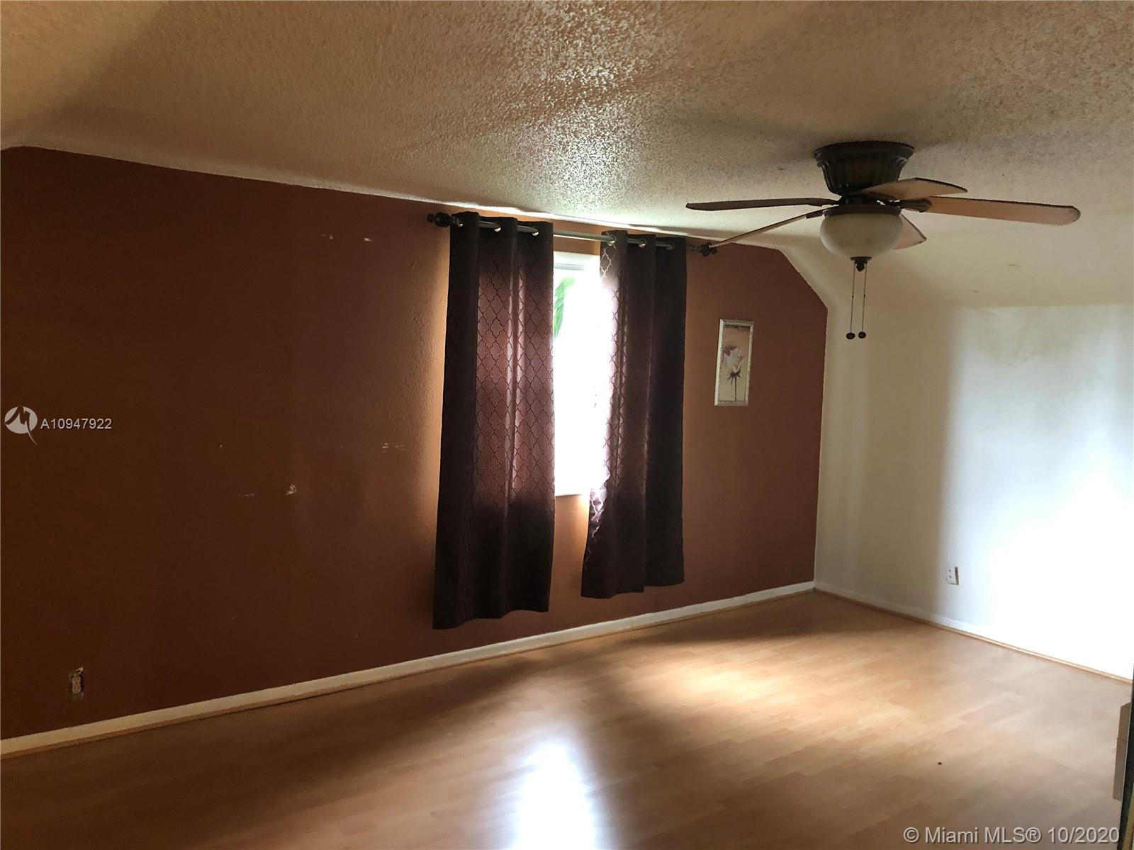 9370 NW 37th Ct photo021