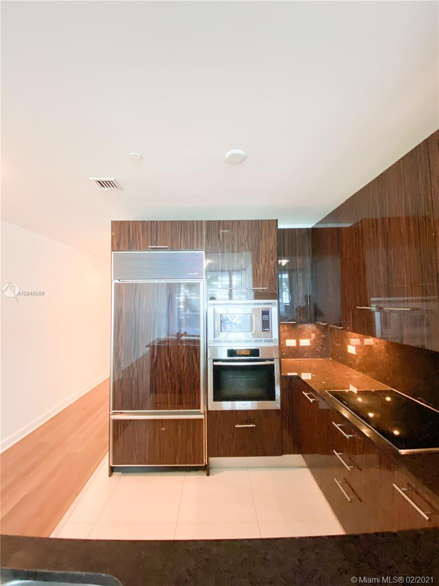 6799 Collins Ave #203 photo02
