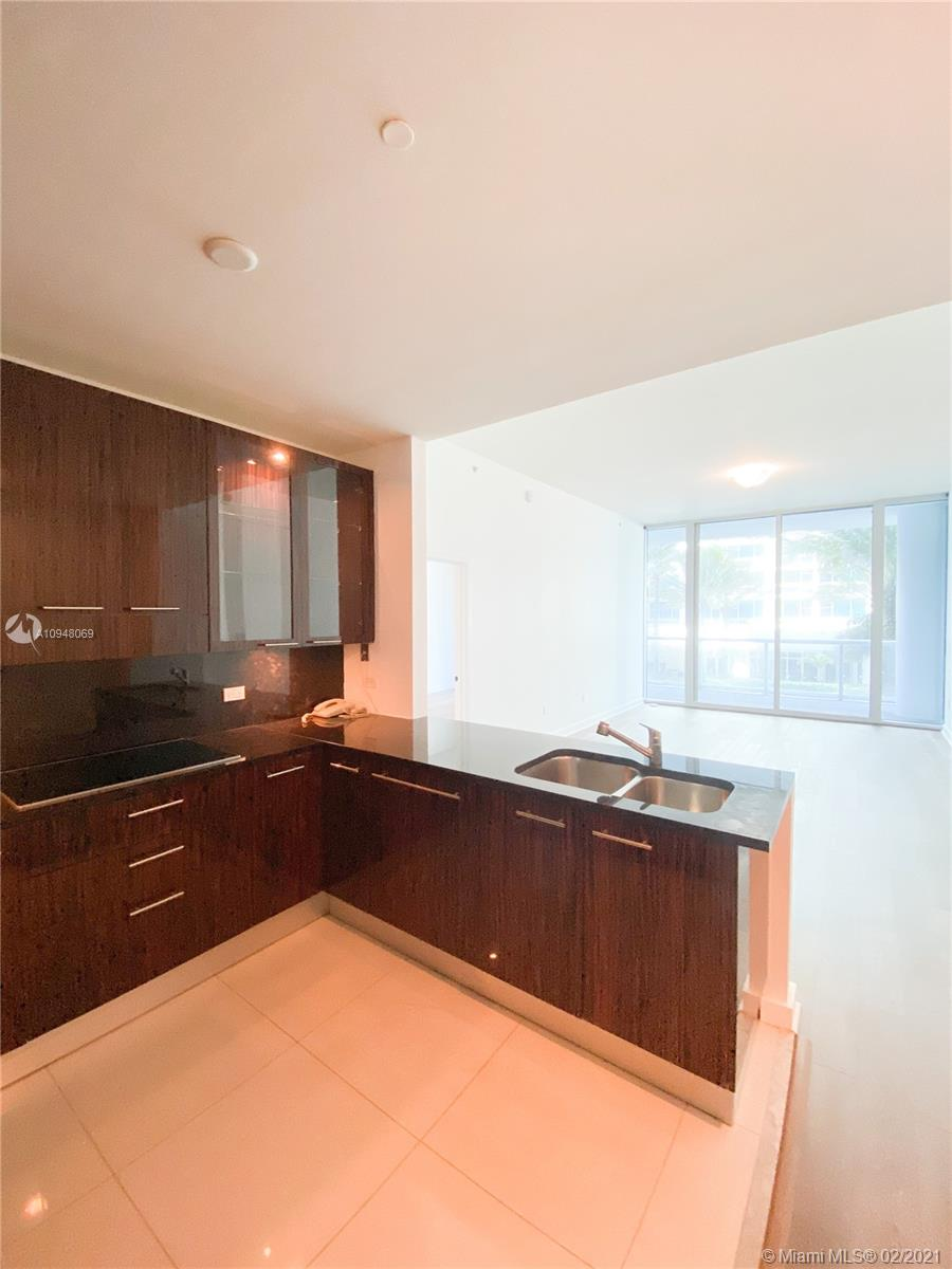 6799 Collins Ave #203 photo04