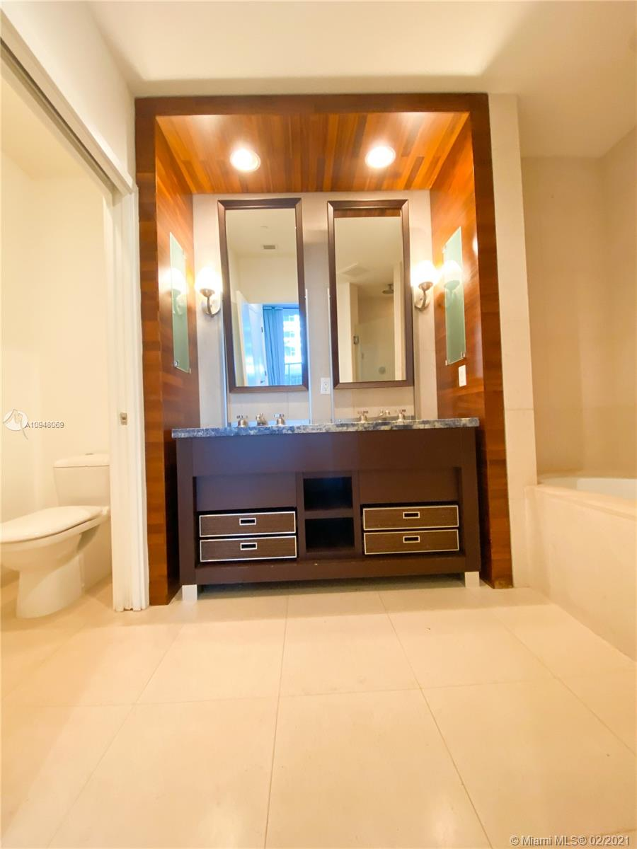 6799 Collins Ave #203 photo08
