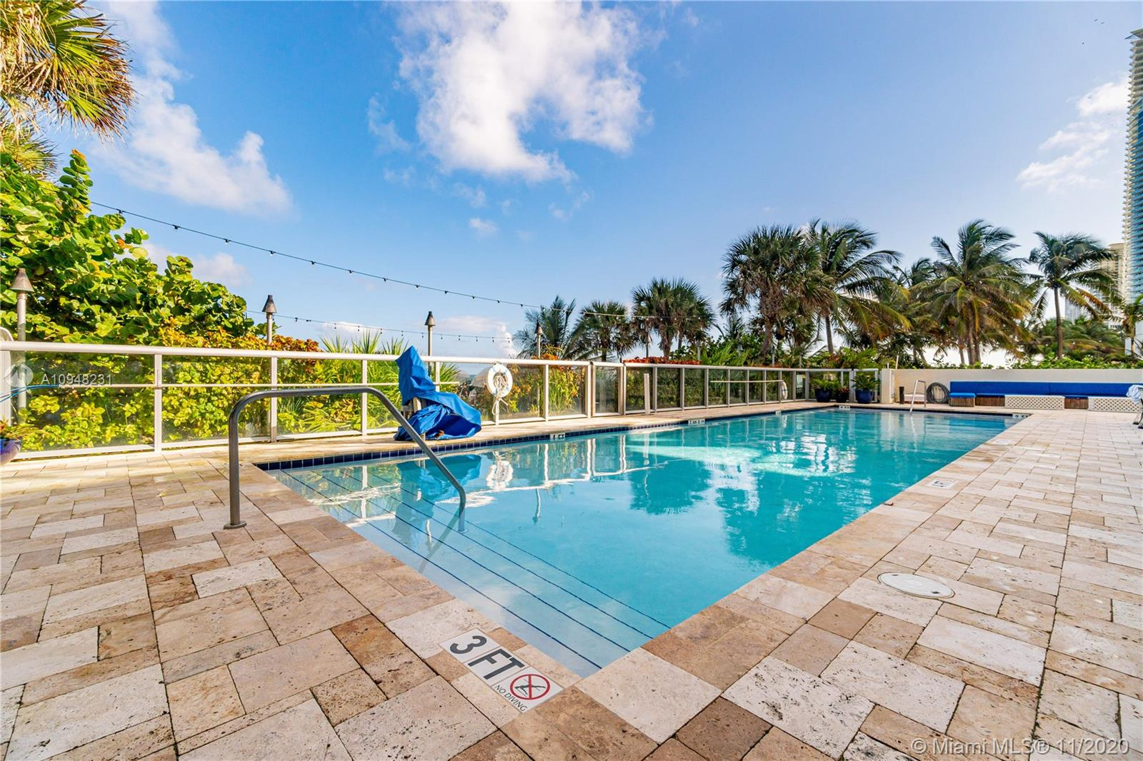 17315 Collins Ave #709 photo026