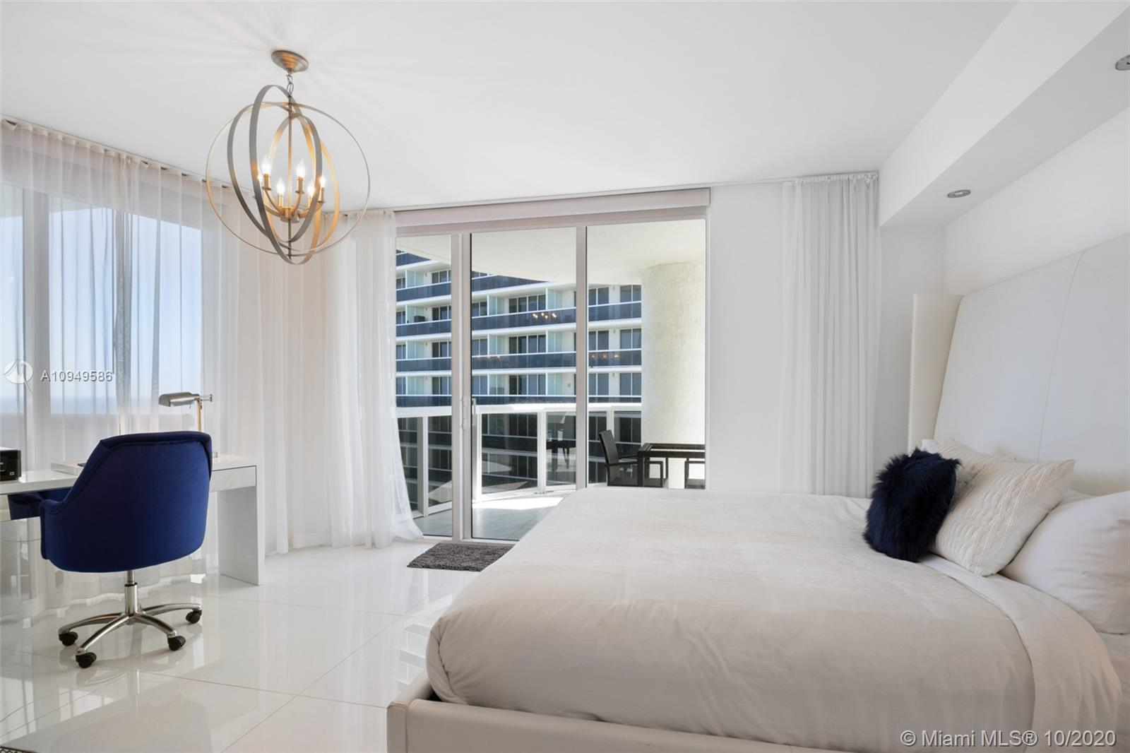 Photo of 1800 S Ocean Dr #LPH 05 listing for Sale