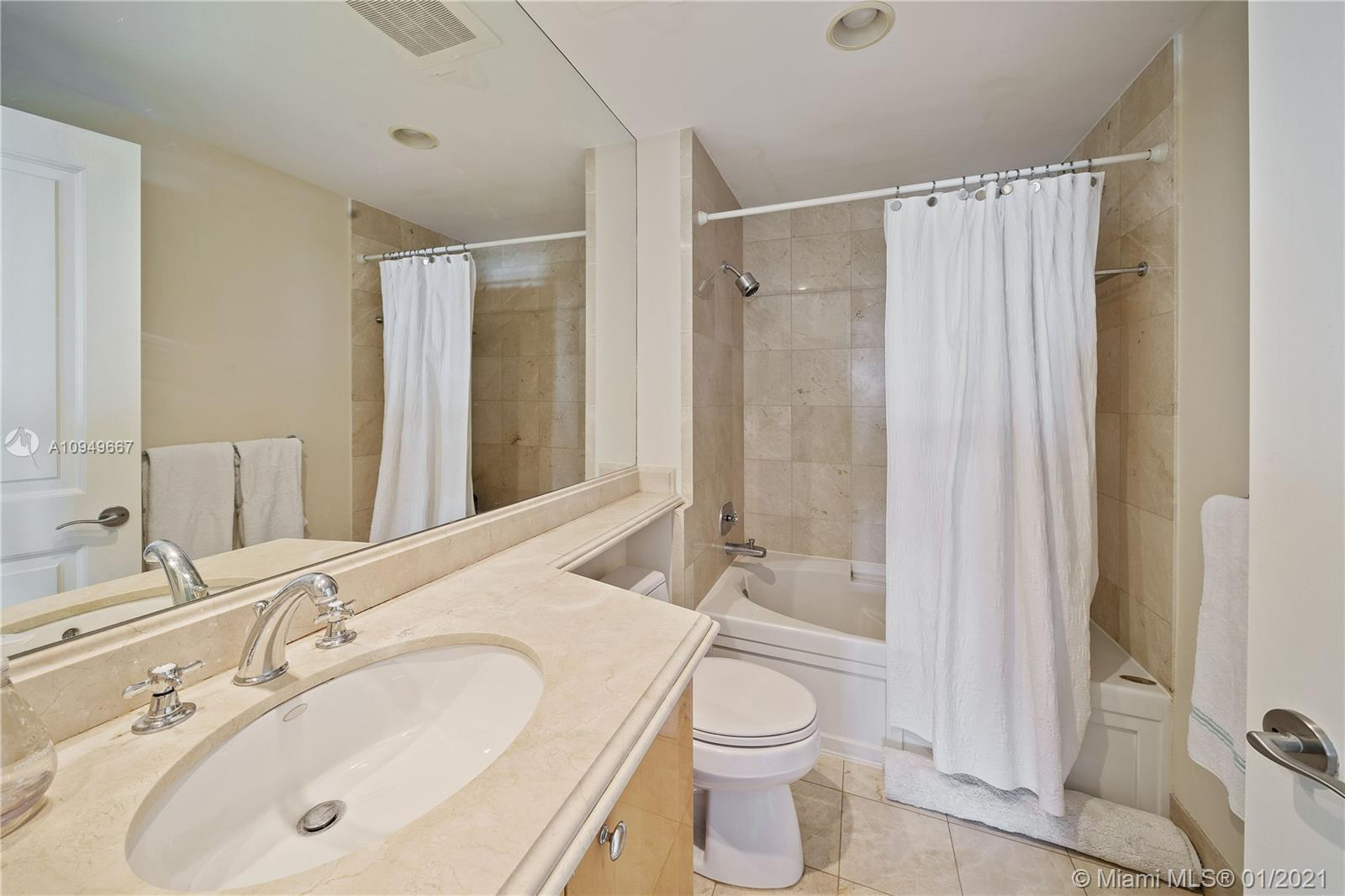 17875 Collins Ave #701 photo023