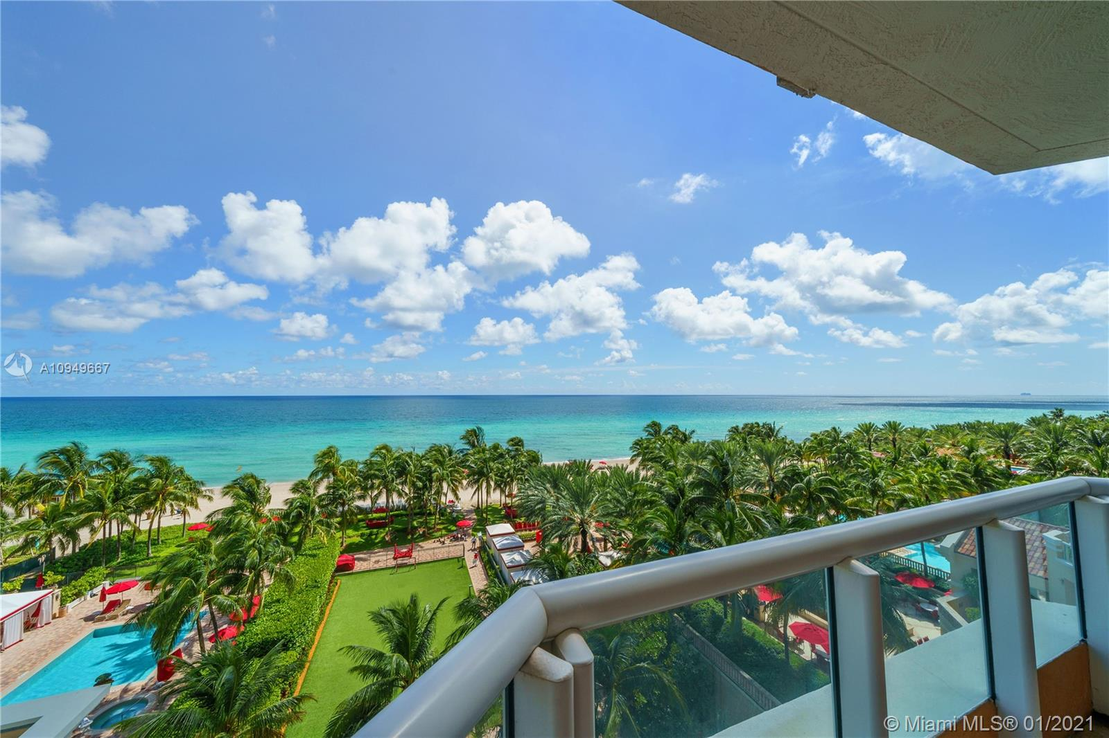 17875 Collins Ave #701 photo01