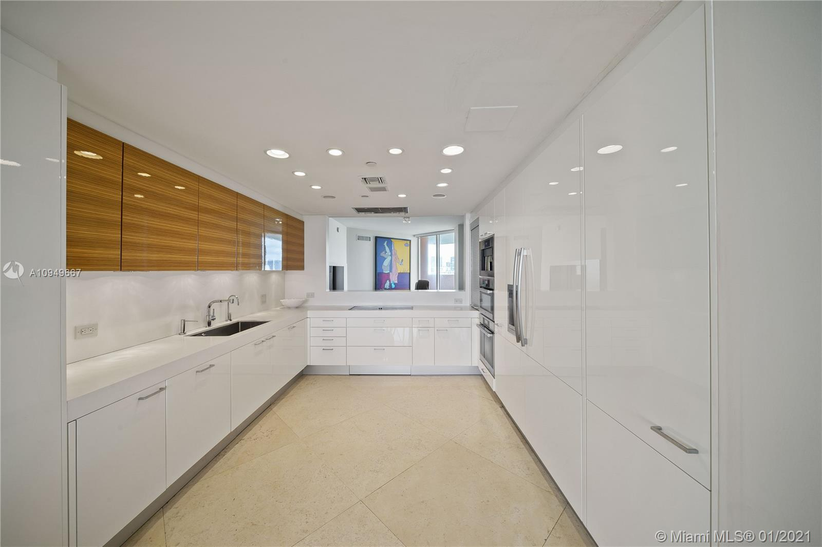 17875 Collins Ave #701 photo08