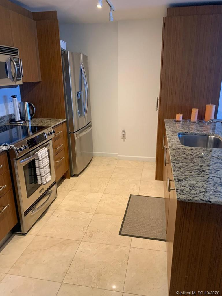 10275 Collins Ave #607 photo07