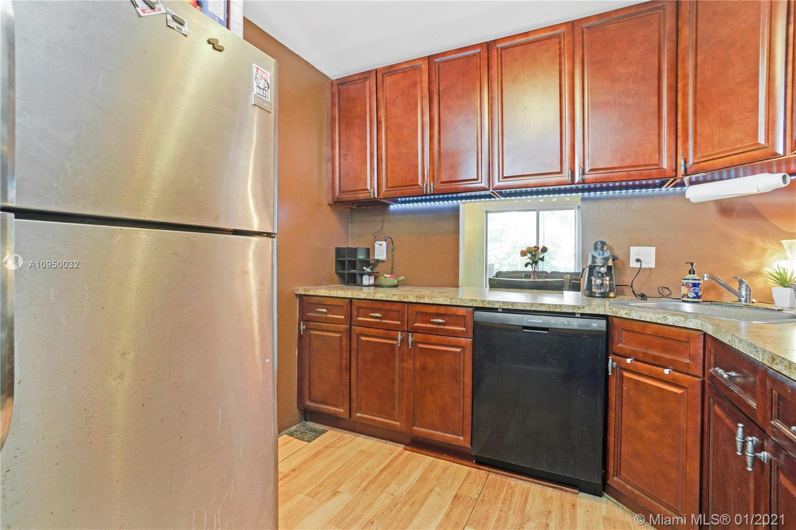 Property for sale at 5495 NW 10th Ct Unit: 307, Plantation,  Florida 33313