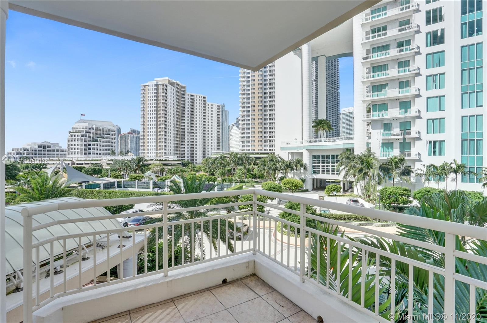 888 Brickell Key Dr #502 photo02