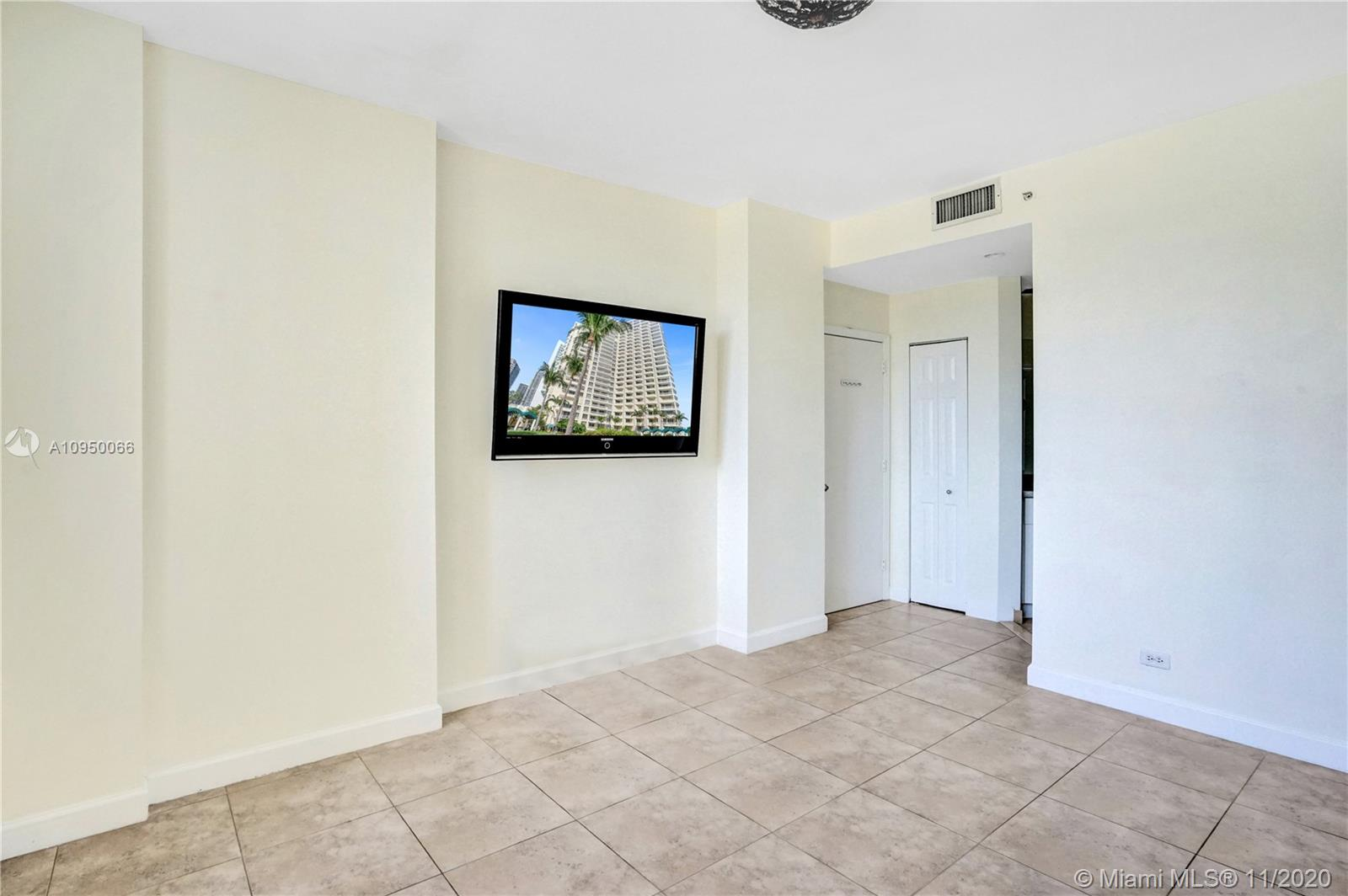 888 Brickell Key Dr #502 photo017