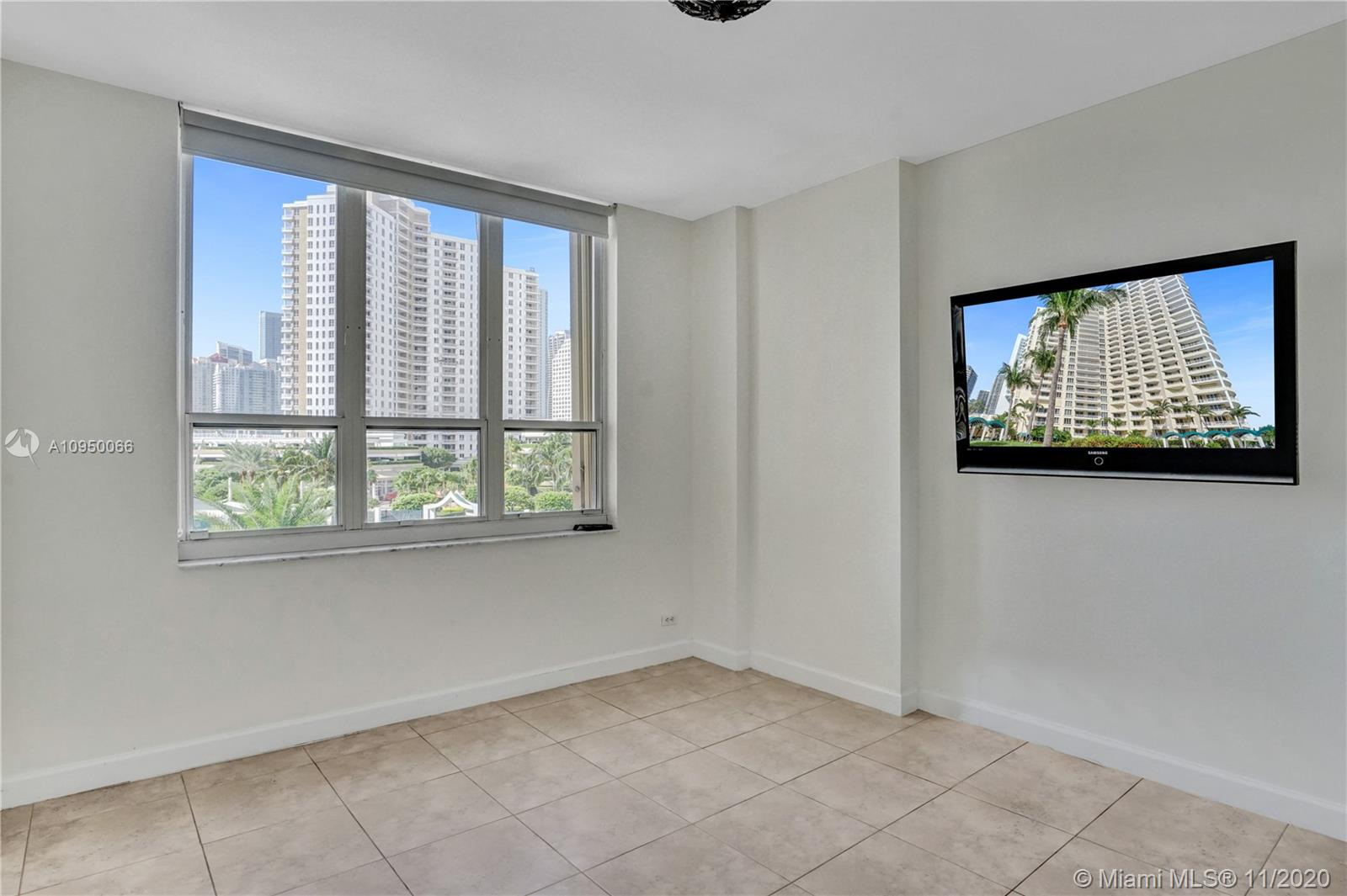 888 Brickell Key Dr #502 photo016