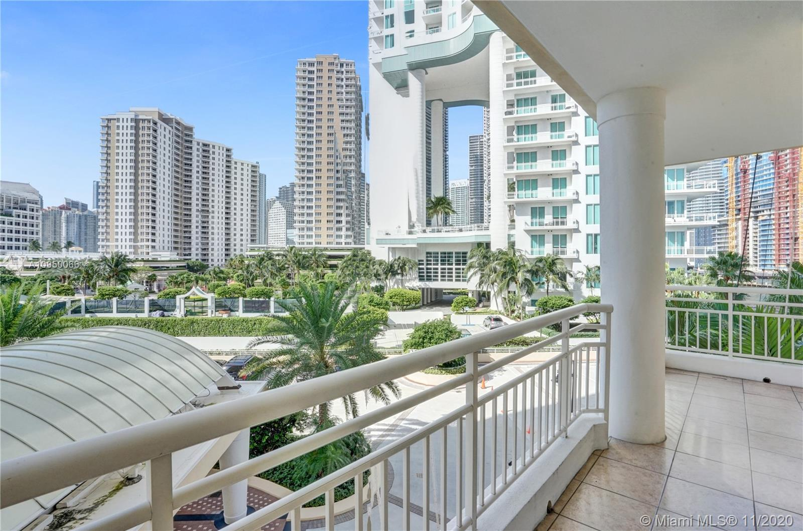 888 Brickell Key Dr #502 photo01