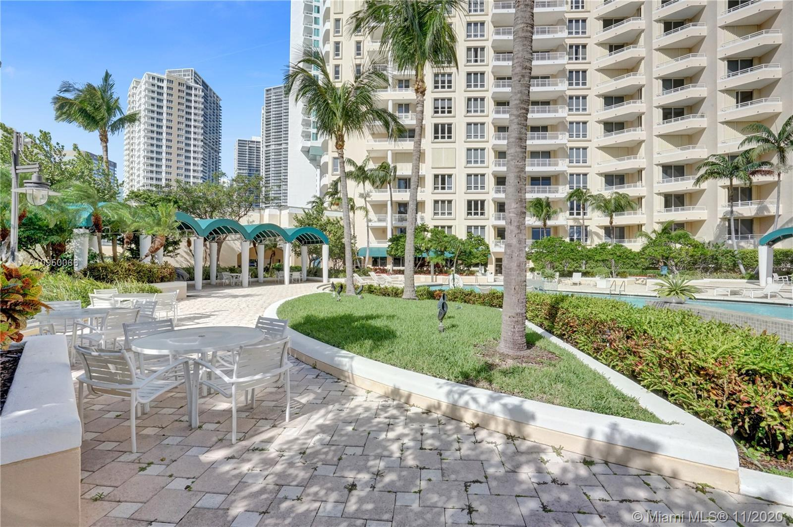 888 Brickell Key Dr #502 photo028