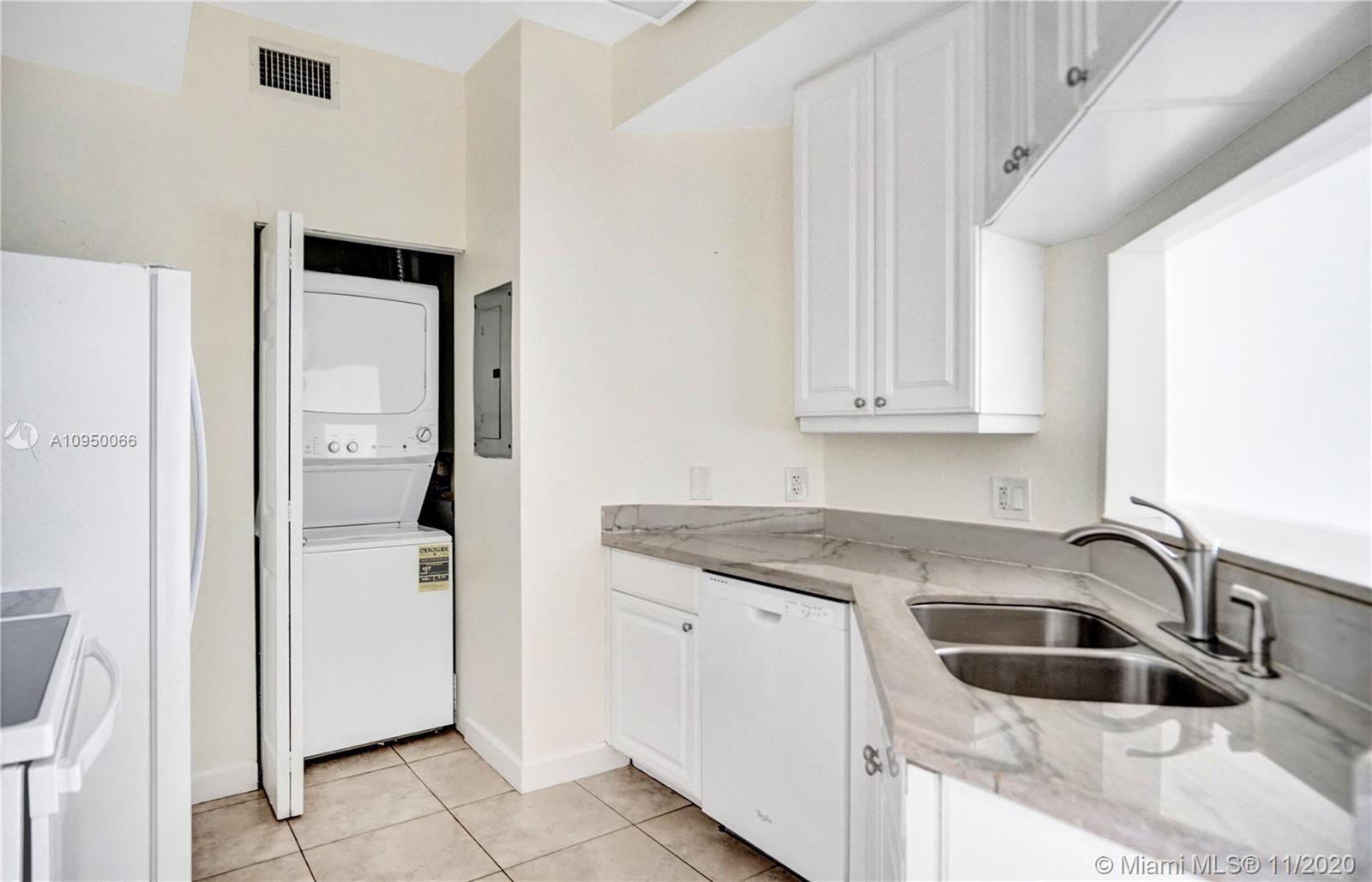 888 Brickell Key Dr #502 photo09