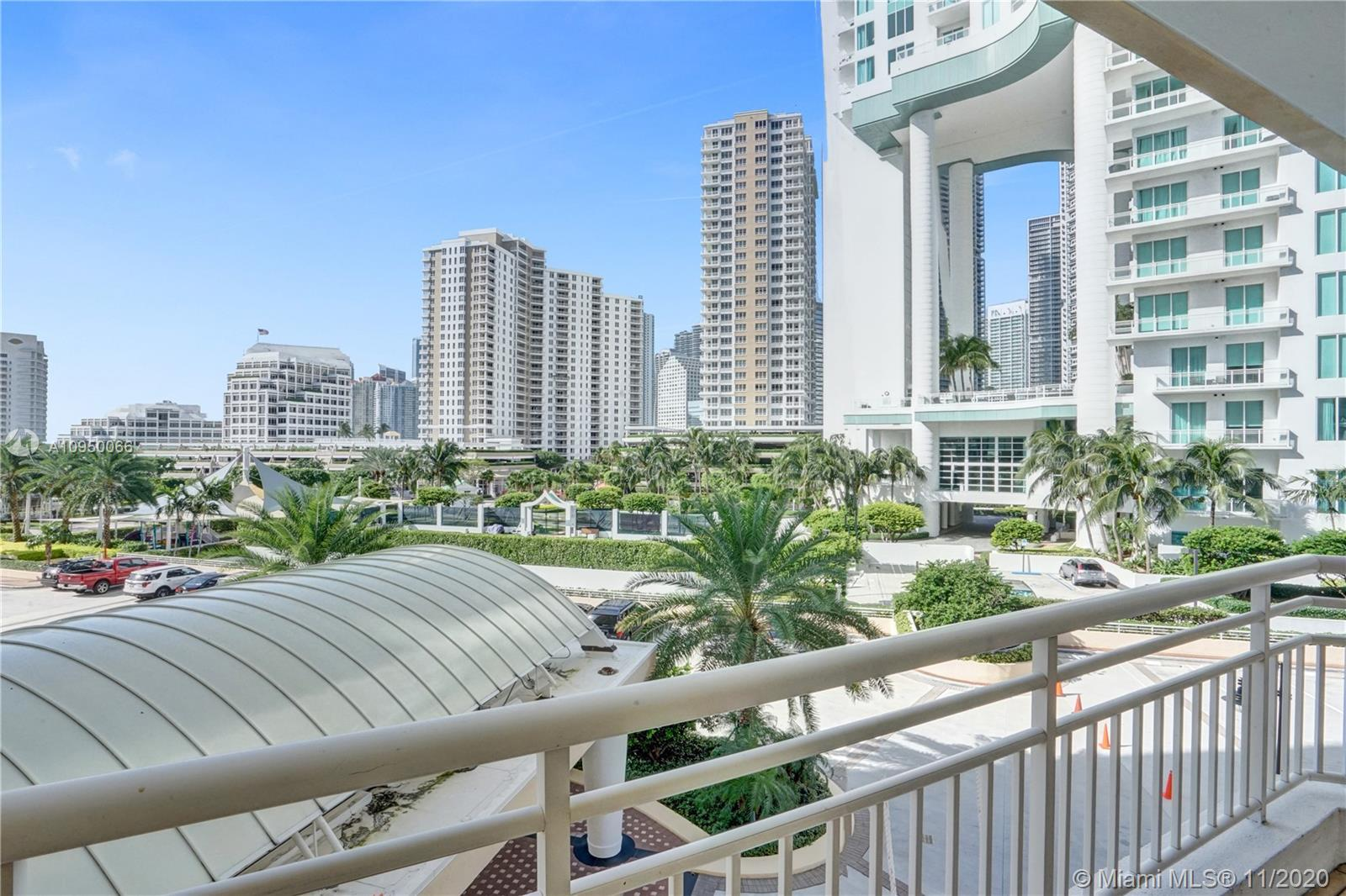888 Brickell Key Dr #502 photo024