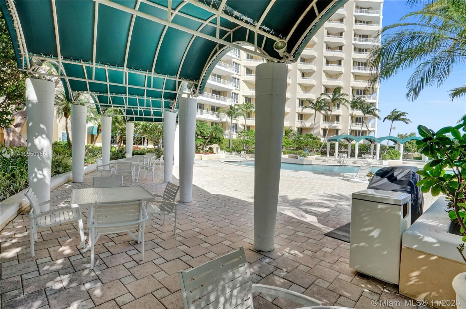 888 Brickell Key Dr #502 photo029
