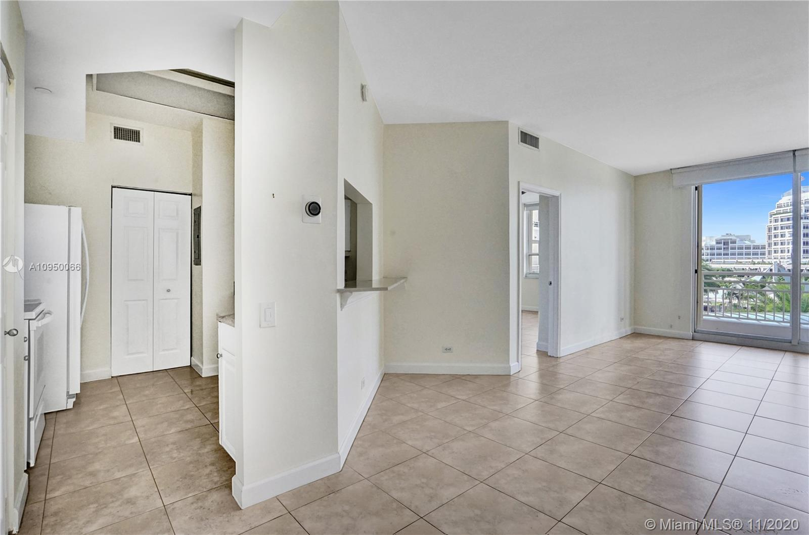 888 Brickell Key Dr #502 photo08