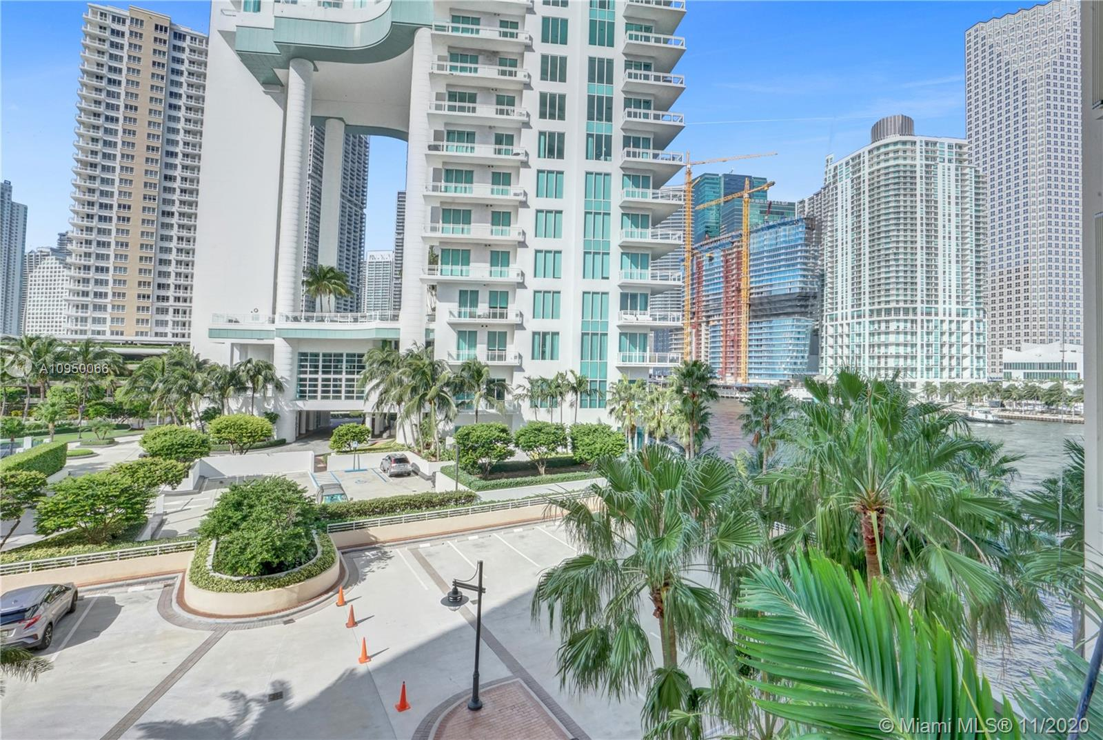 888 Brickell Key Dr #502 photo025