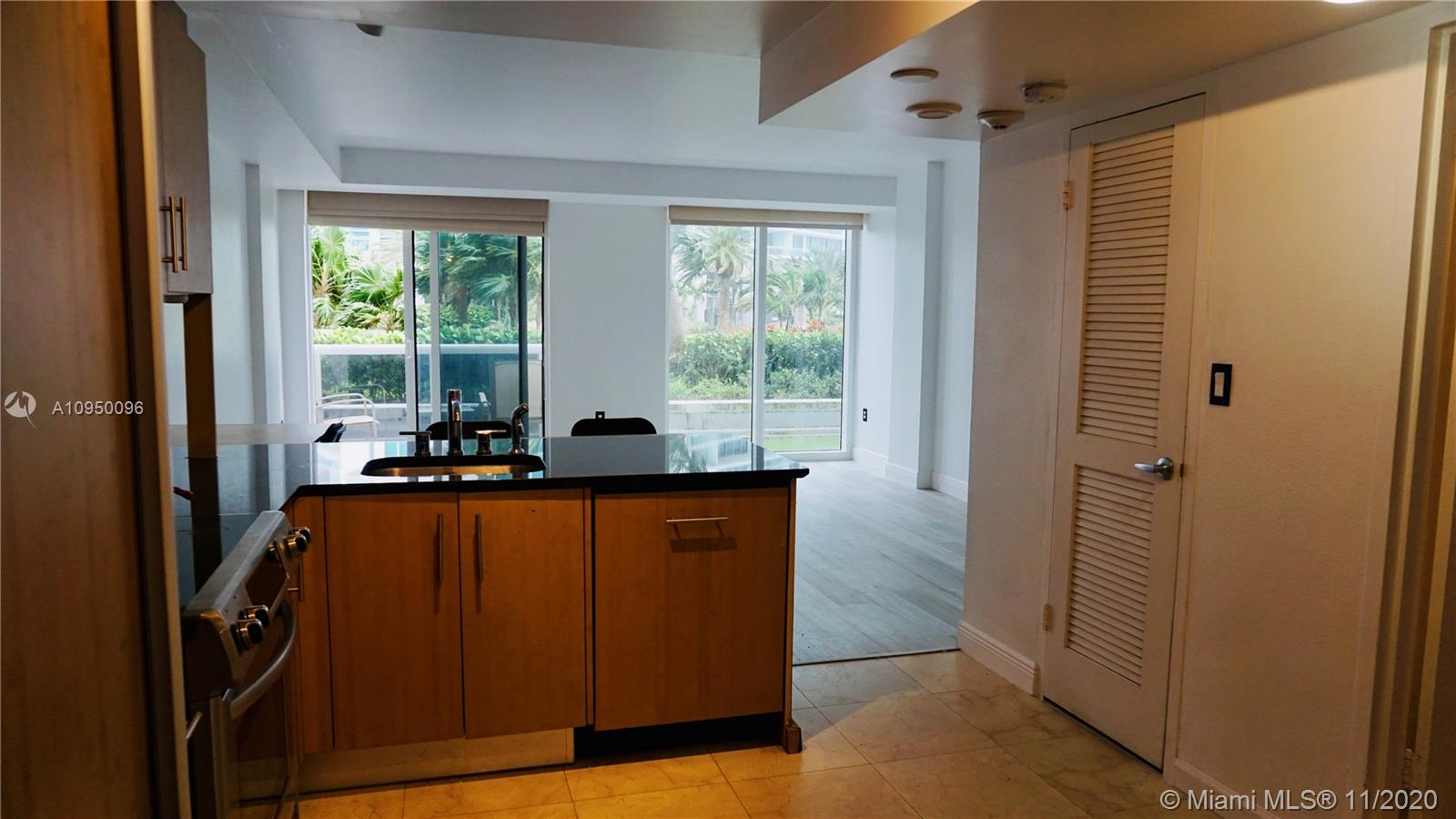 10275 Collins Ave #204 photo08