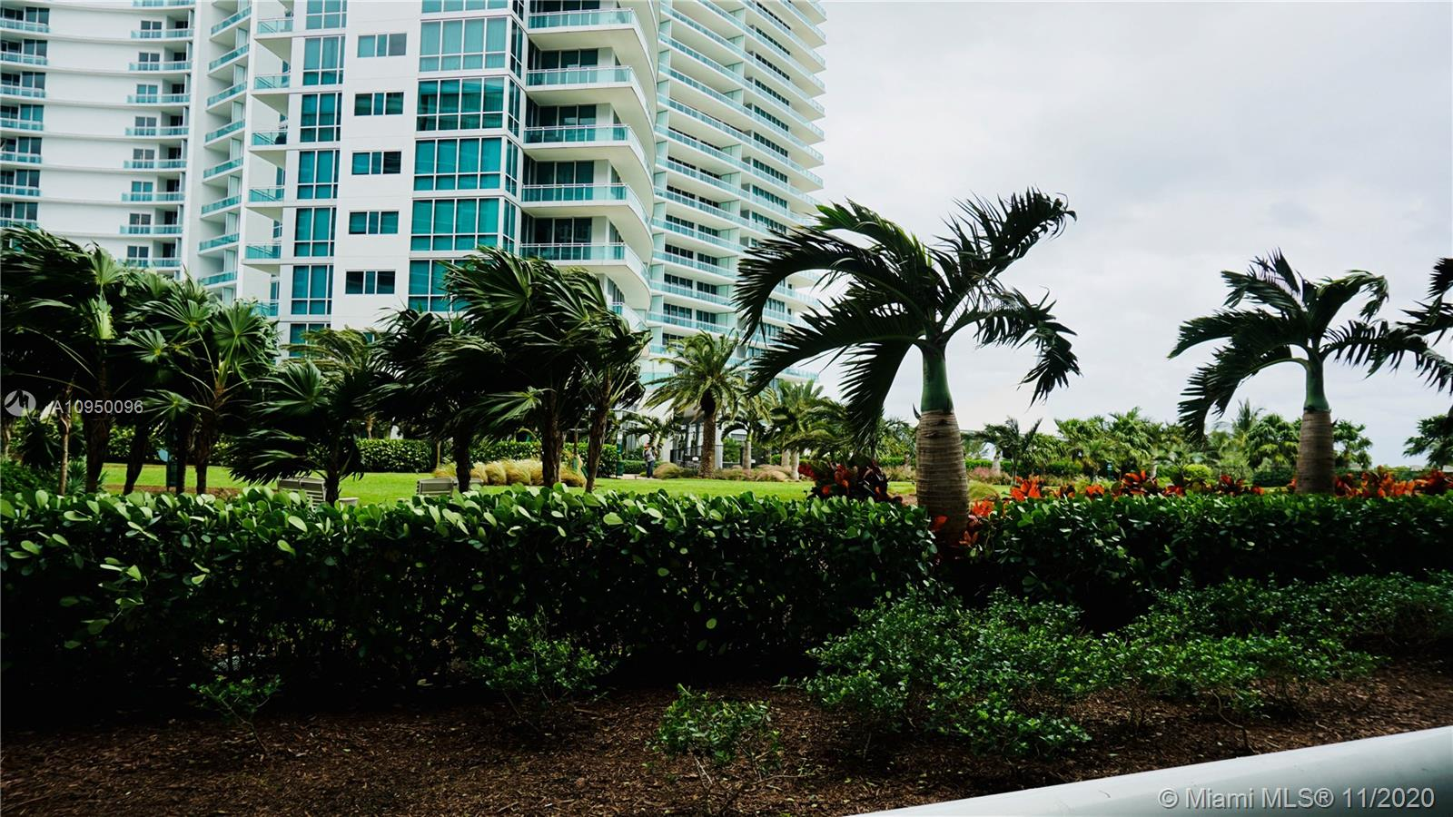 10275 Collins Ave #204 photo021