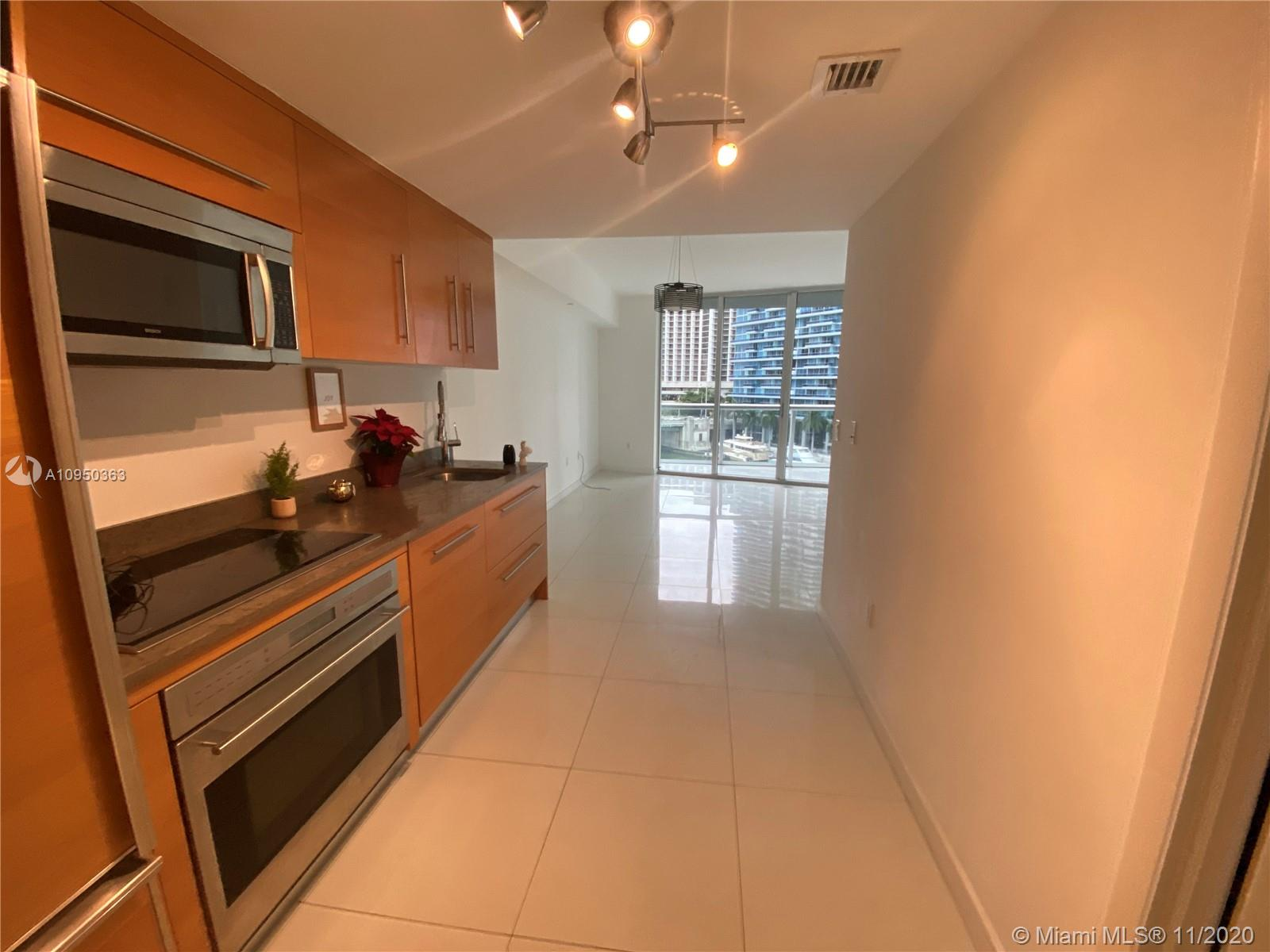 465 NW Brickell Ave #704 photo01