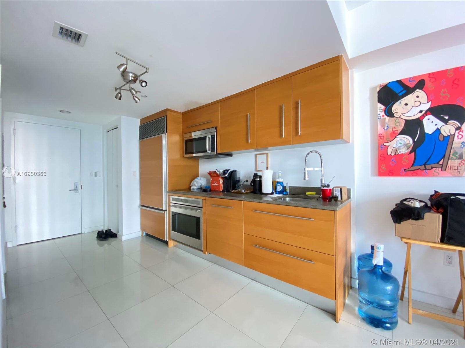 465 NW Brickell Ave #704 photo025