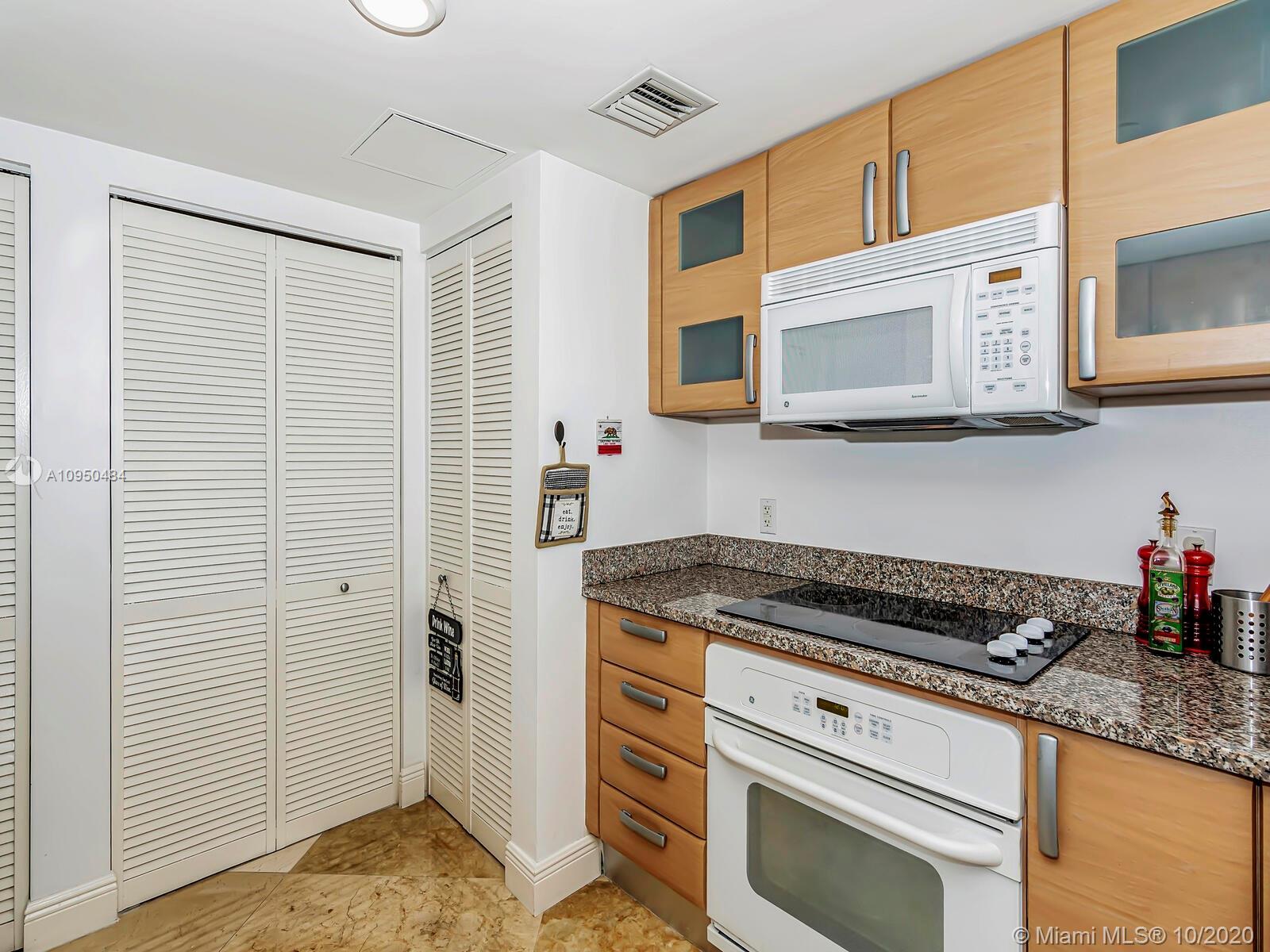 2101 Brickell Ave #307 photo016