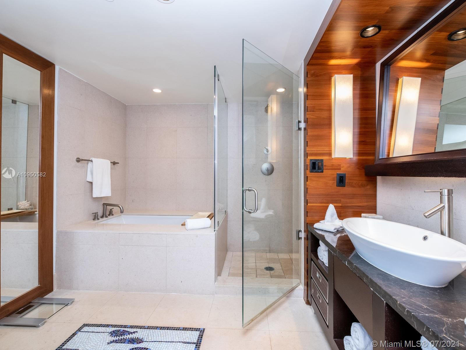 6801 Collins Ave #615 photo014