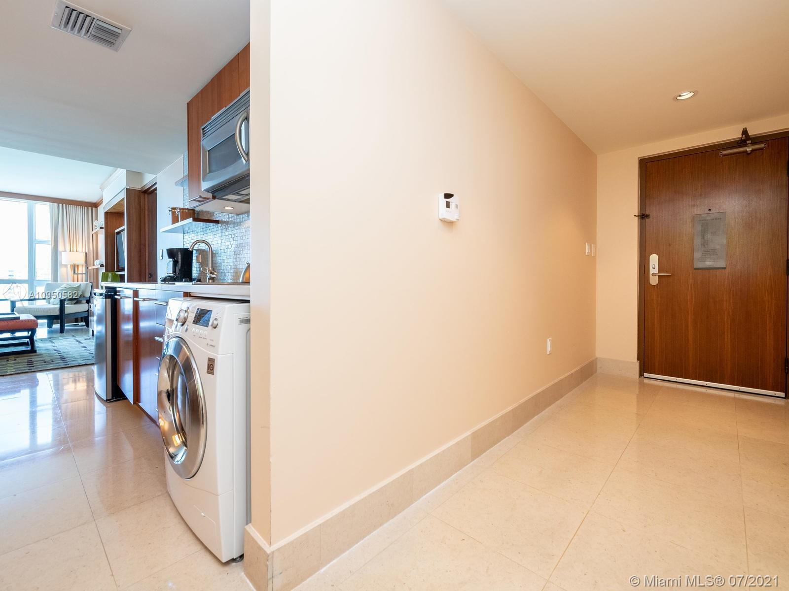 6801 Collins Ave #615 photo045