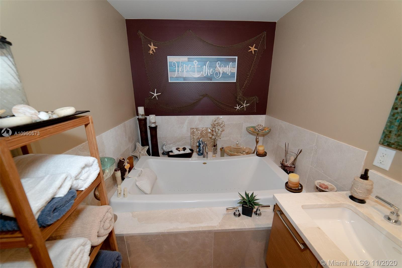 17001 Collins Ave #1403 photo06