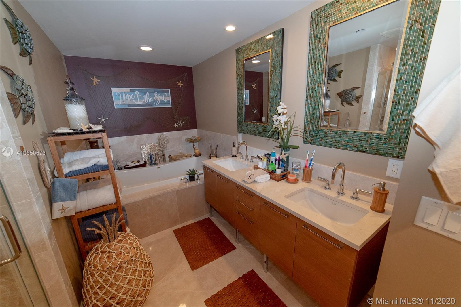 17001 Collins Ave #1403 photo07