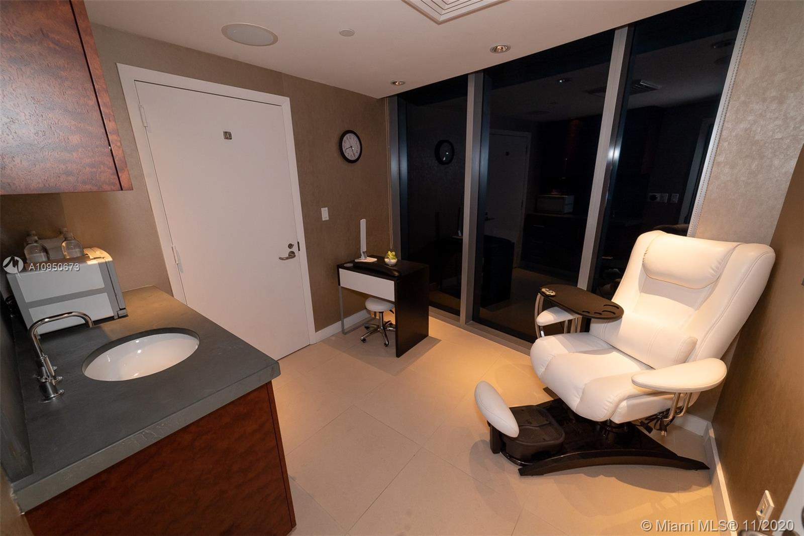 Photo of 17001 Collins Ave #1403 listing for Sale