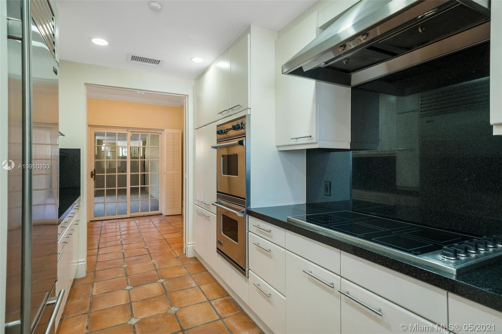 2212 Fisher Island Dr #2212 photo011